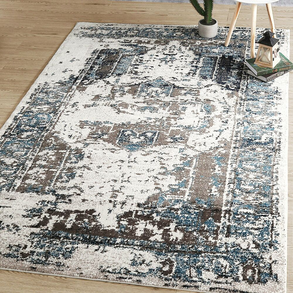 King Abstract Non-Slip Blue/White Area Rug Rug Size: Rectangle 5' x 7'
