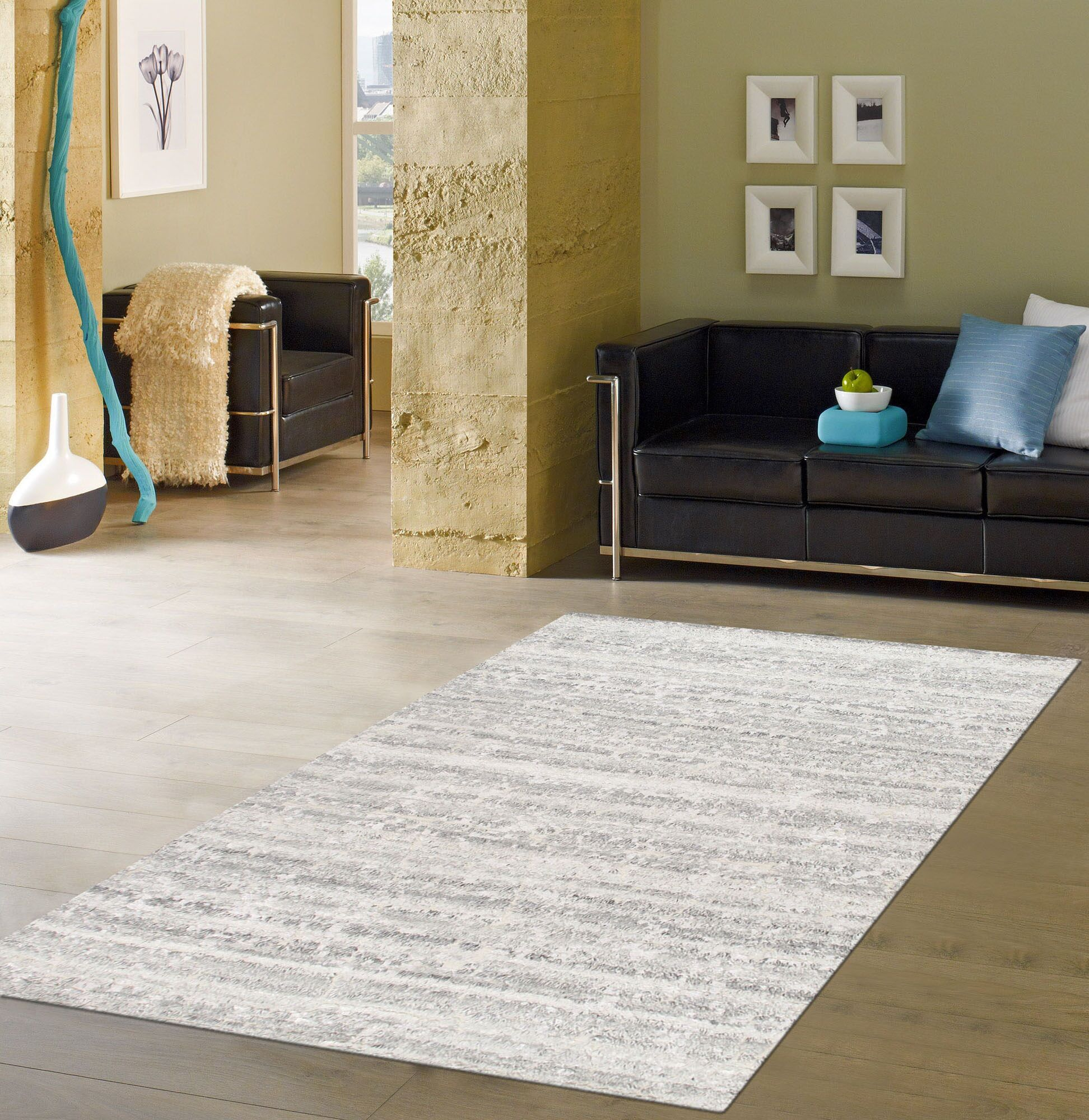 Vogue Hand-Knotted Wool Ivory Area Rug Rug Size: Rectangle 5'7