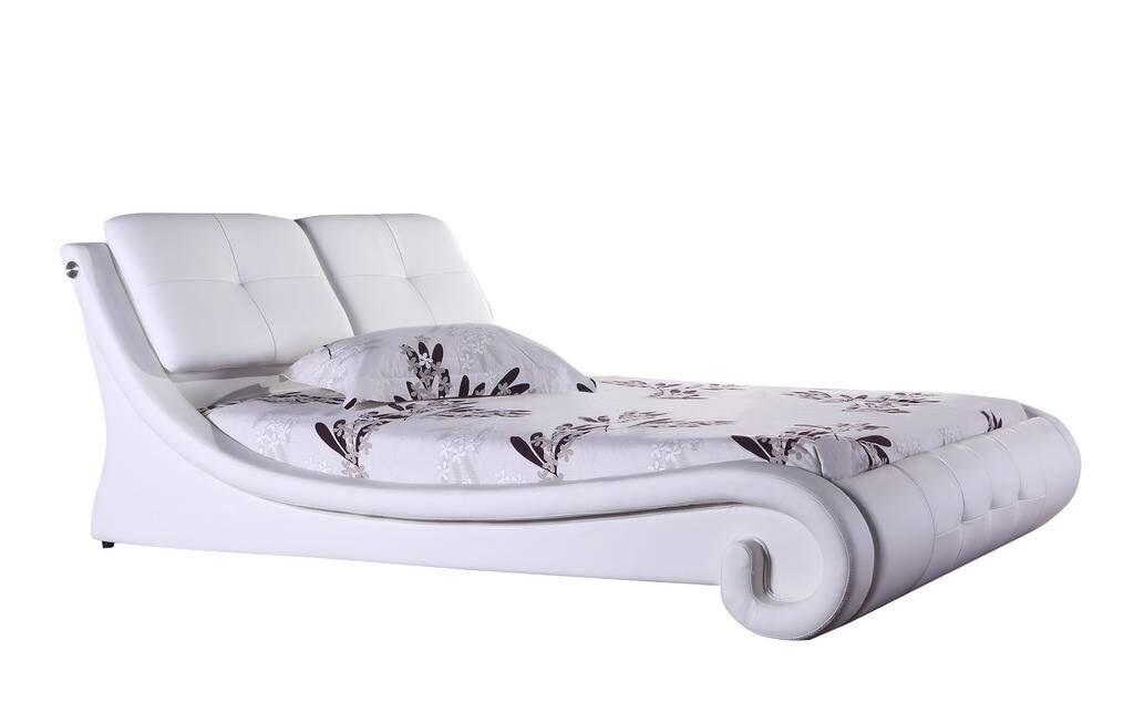 Fernanda Queen Upholstered Platform Bed