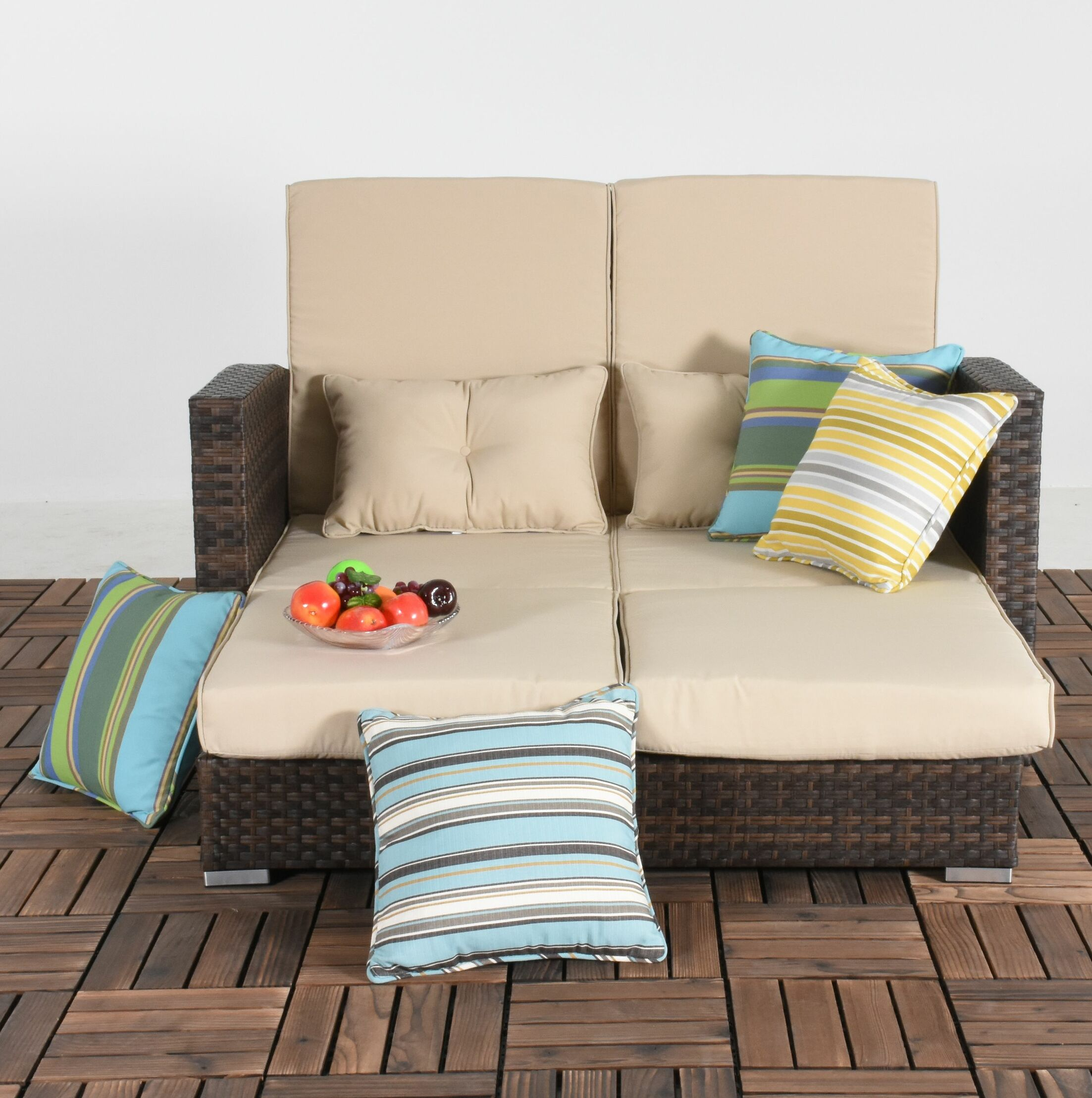 Cabrillo Patio Daybed with Cushions