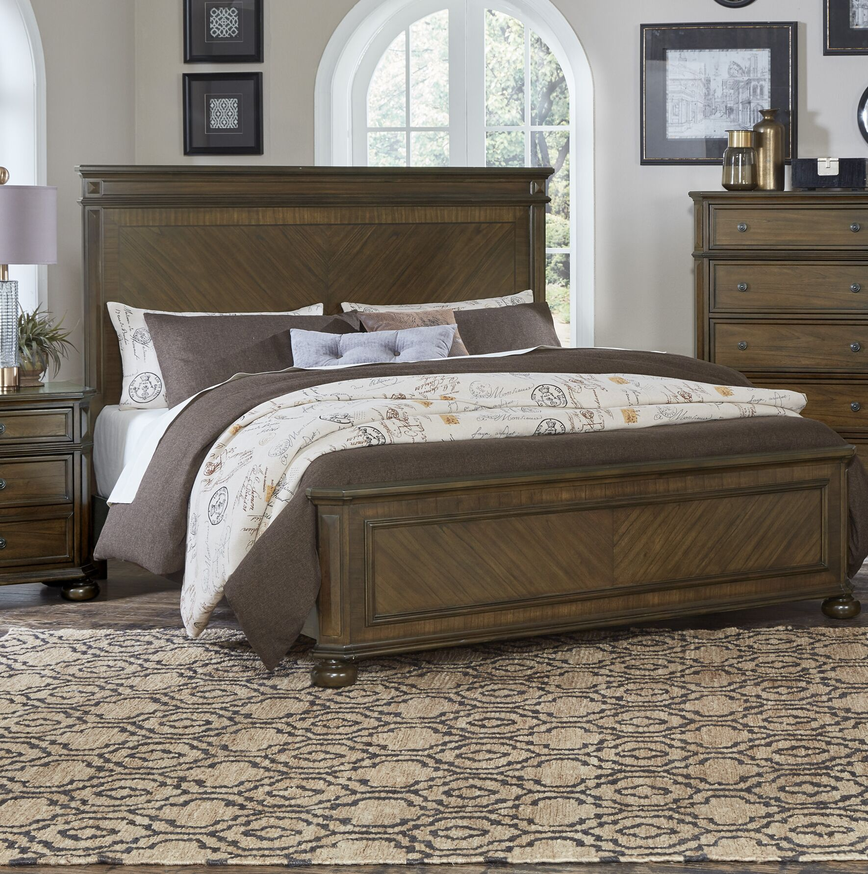 Malik Panel Bed Size: California King