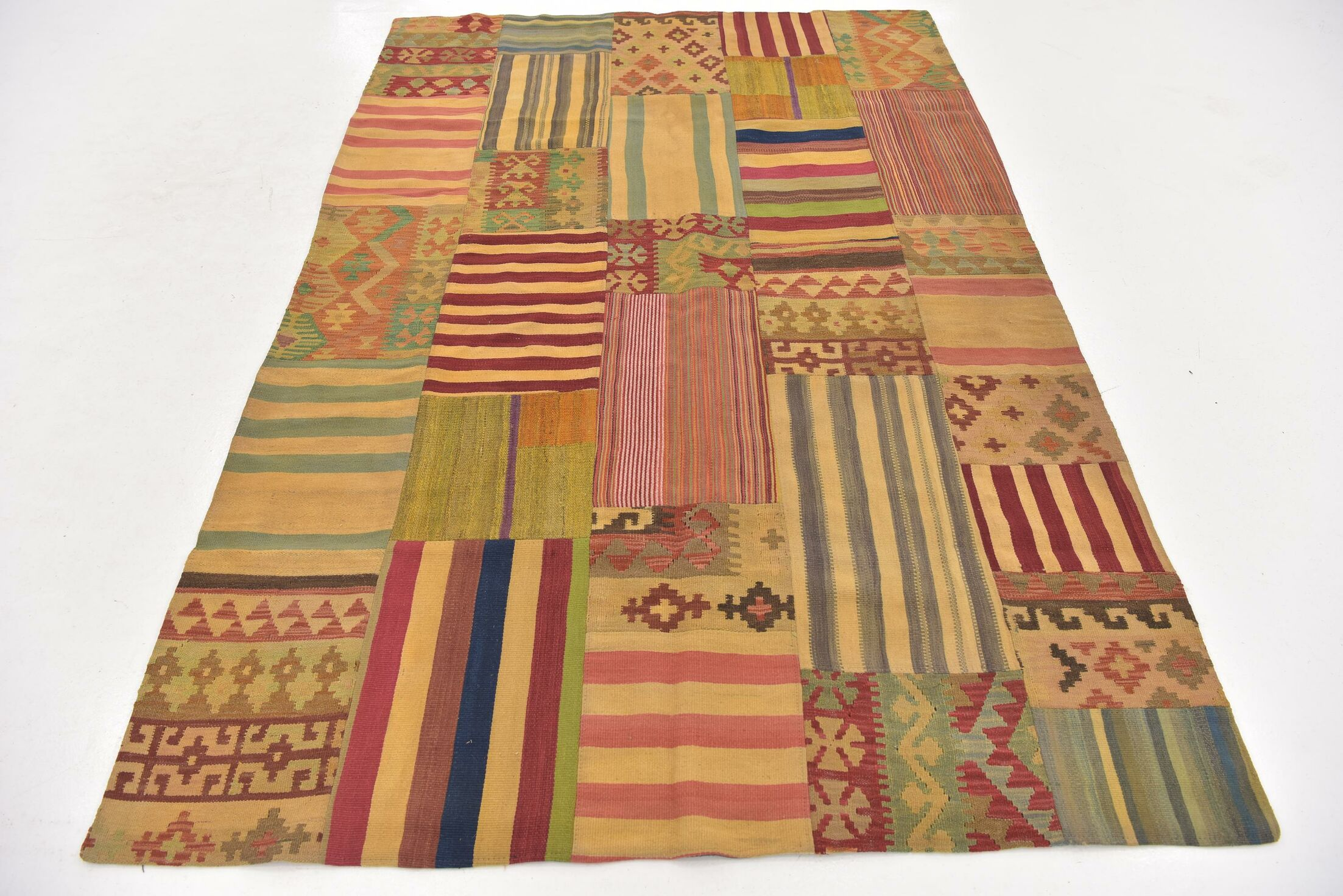 One-of-a-Kind Warrington Patchwork Hand-Knotted Wool Red/Green Area Rug