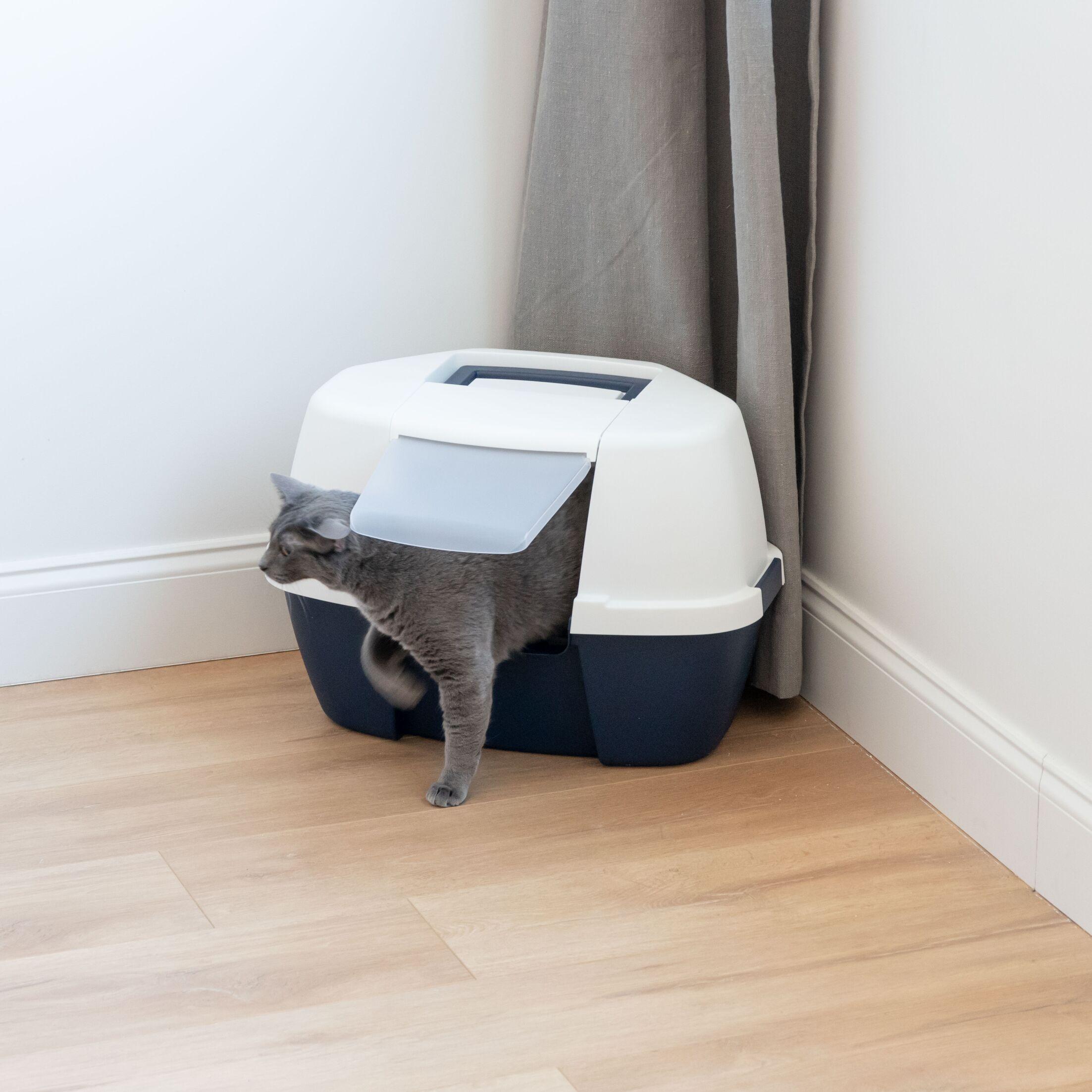 Hooded Corner Litter Box Size: 17
