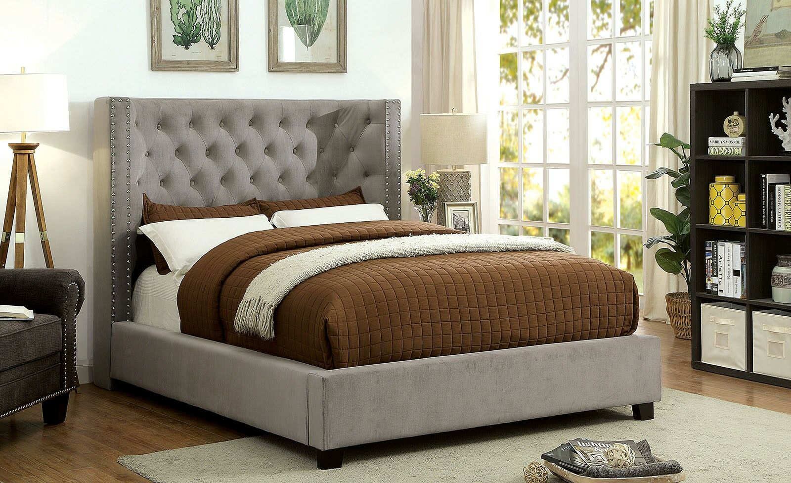 Chulmleigh Upholstered Panel Bed Size: Queen, Color: Gray