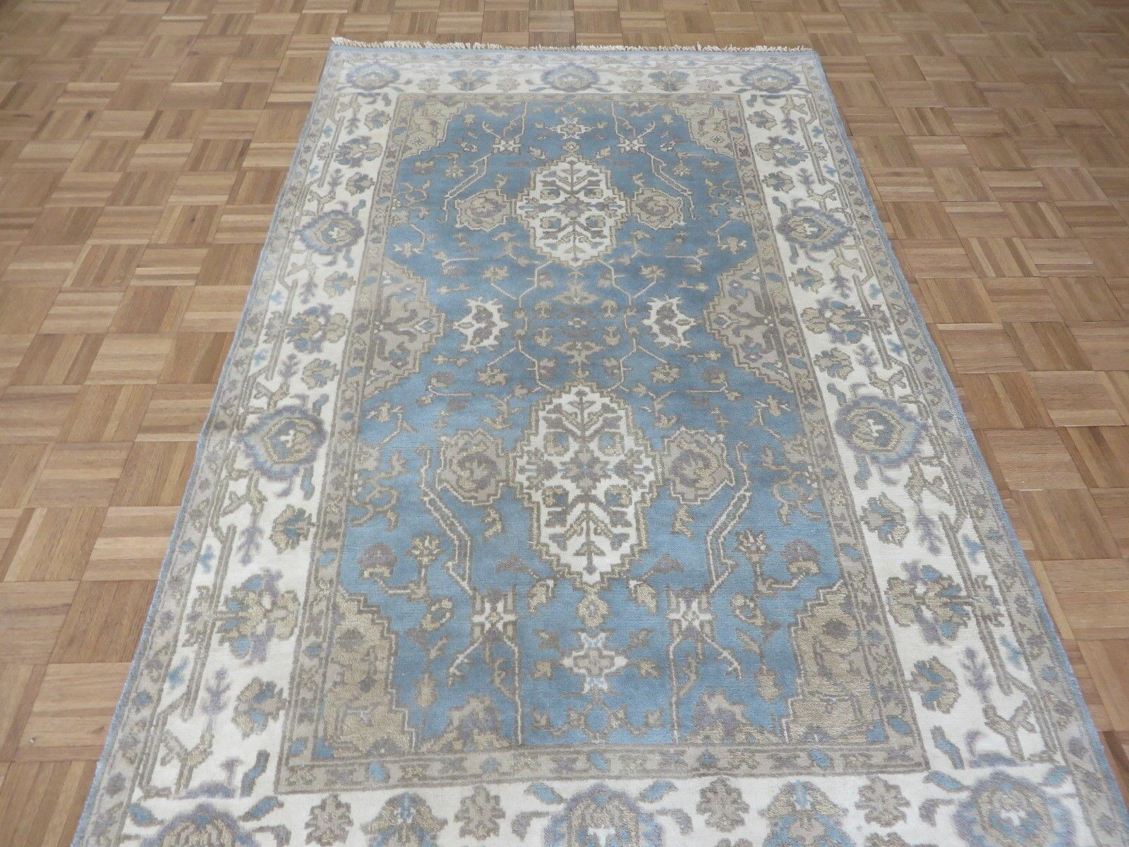 One-of-a-Kind Bearer Hand-Knotted 5' x 8'1