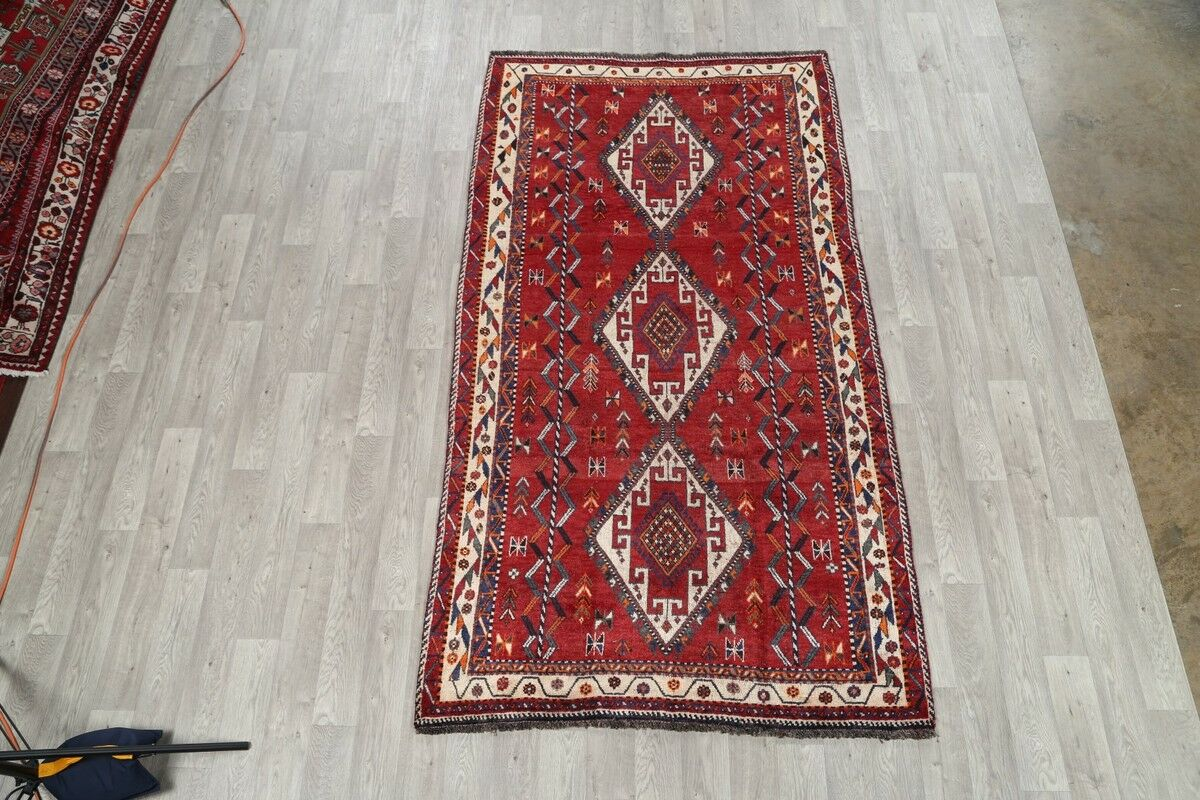 One-of-a-Kind Ghashghaie Shiraz Persian Hand-Knotted 5'2