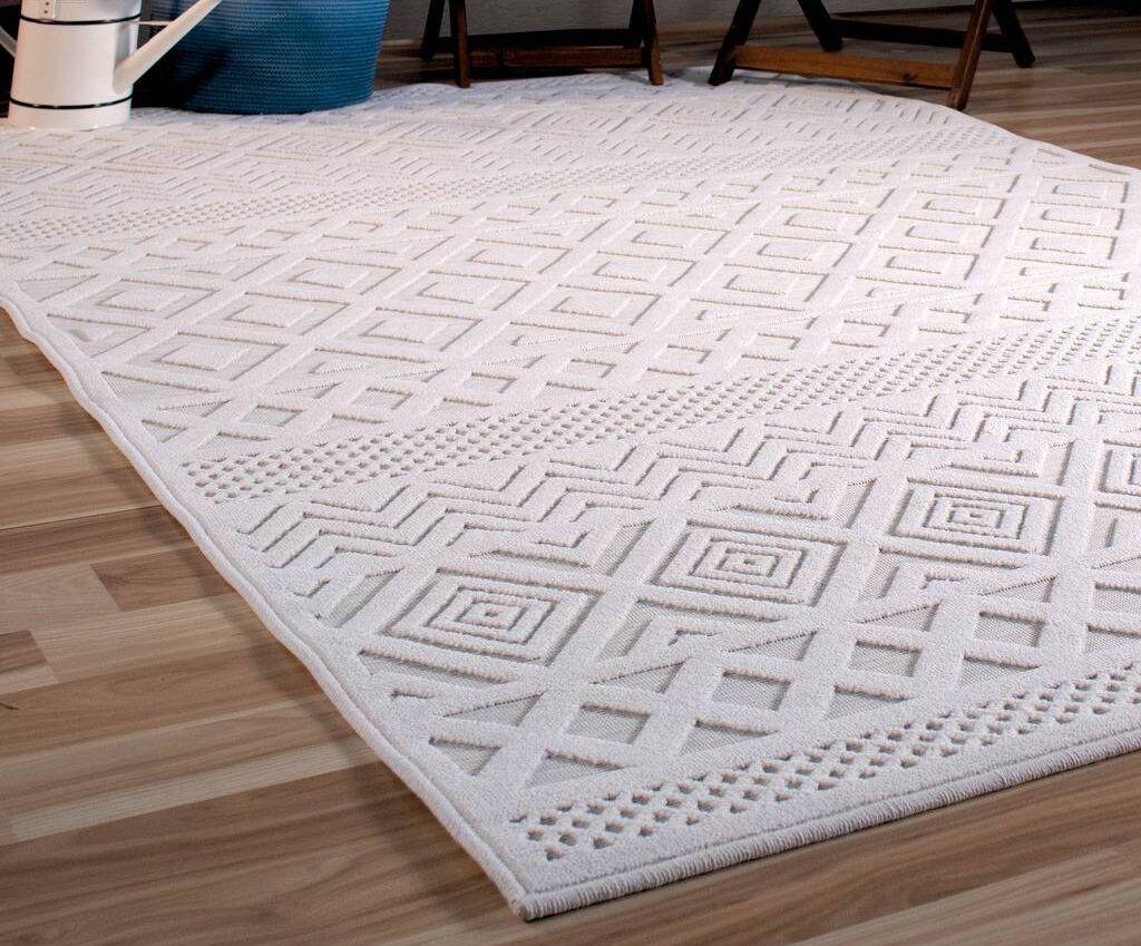 Borrero Diamond Ivory Indoor/Outdoor Area Rug Rug Size: Rectangle 9' x 13'