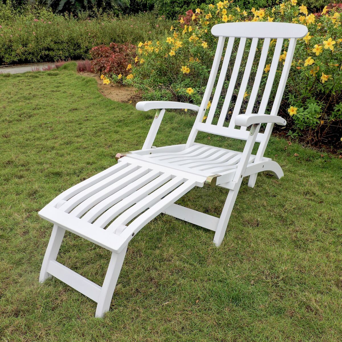 Nesler Reclining Chaise Lounge Color: Antique White