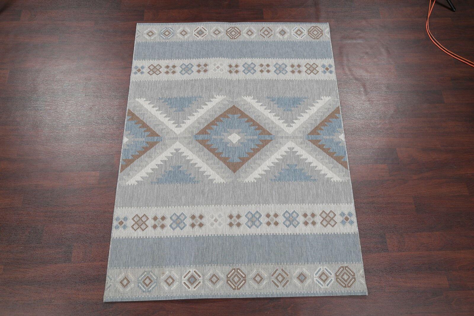 Boyden Navy Blue/Gray Area Rug Rug Size: Rectangle 7'8