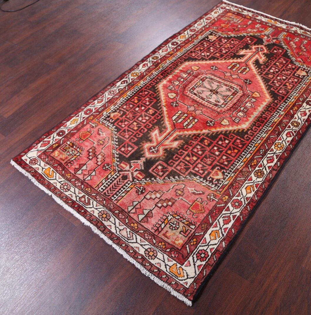 One-of-a-Kind Genuine Bakhtiari Vintage Persian Traditional Hand-Knotted 3'9