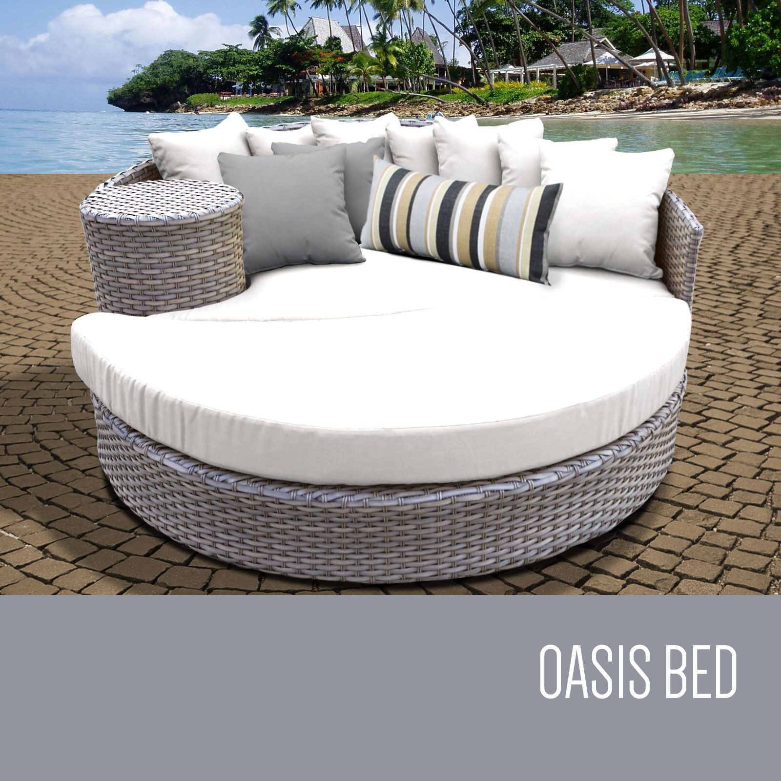 Patio Daybed with Cushions Color: White