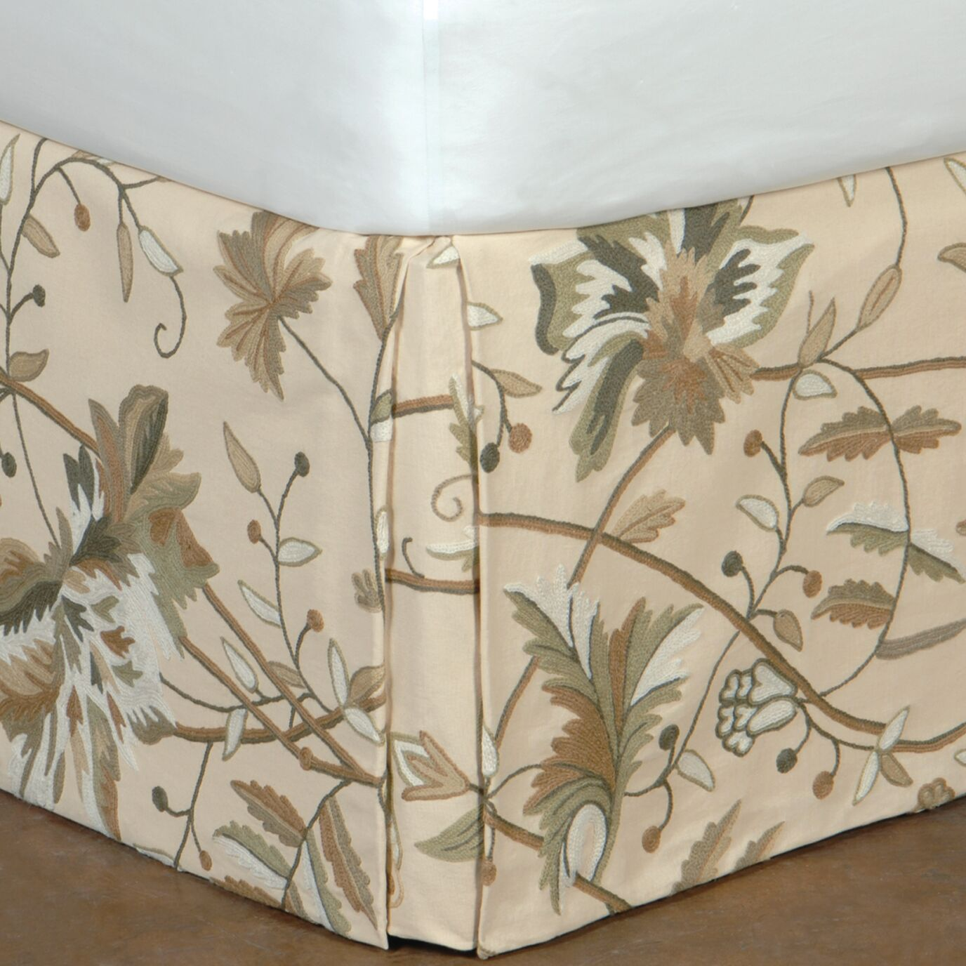 Gallagher Bed Skirt Size: California King
