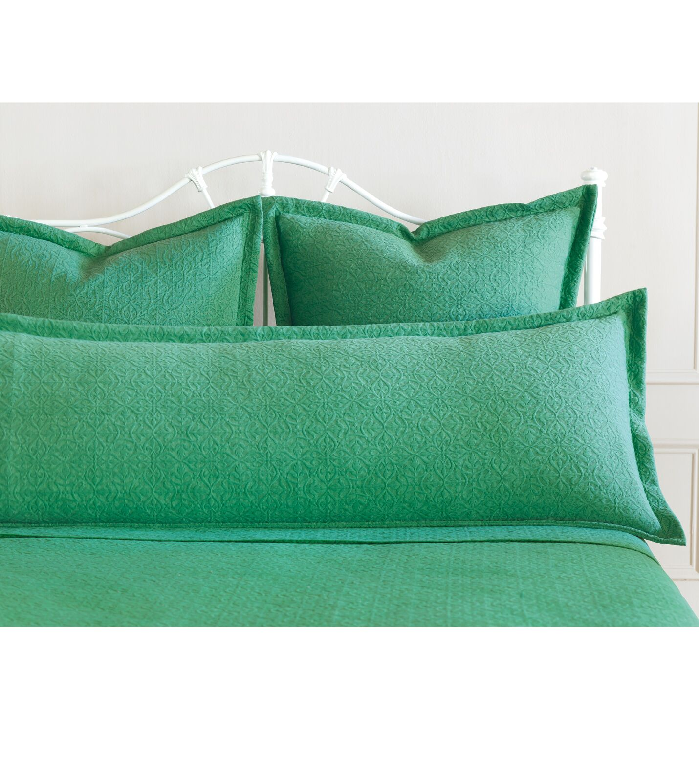 Mea Matelasse Cotton Lumbar Pillow Size: Queen, Color: Meadow