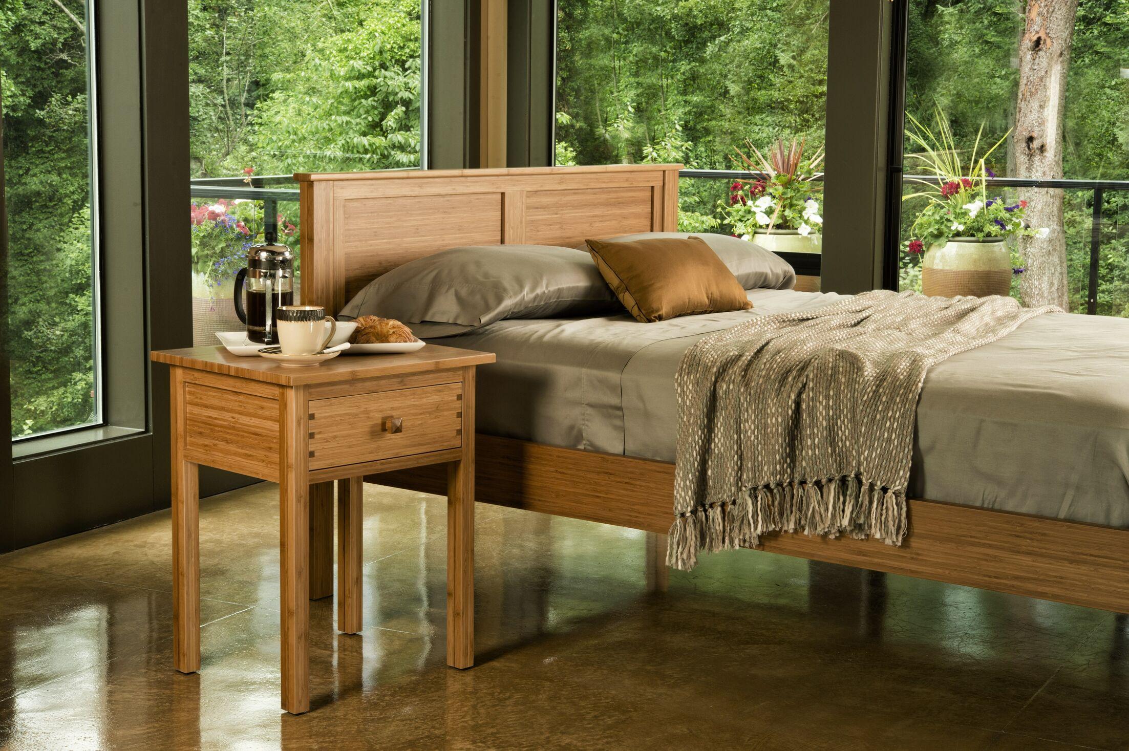 Hosta Platform Bed Size: King, Color: Natural