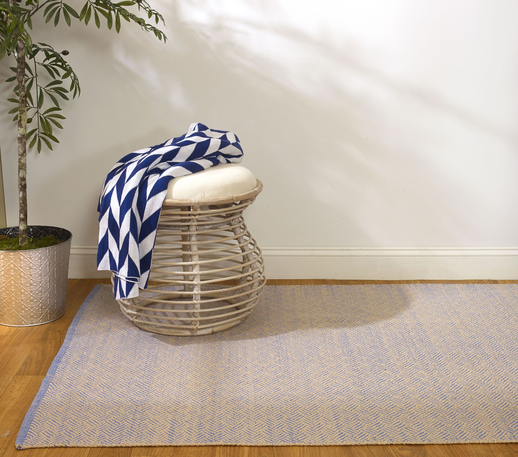 Estate Karma Hand-Woven Blue/Almond Indoor/Outdoor Area Rug Rug Size: Rectangle 6' x 9'