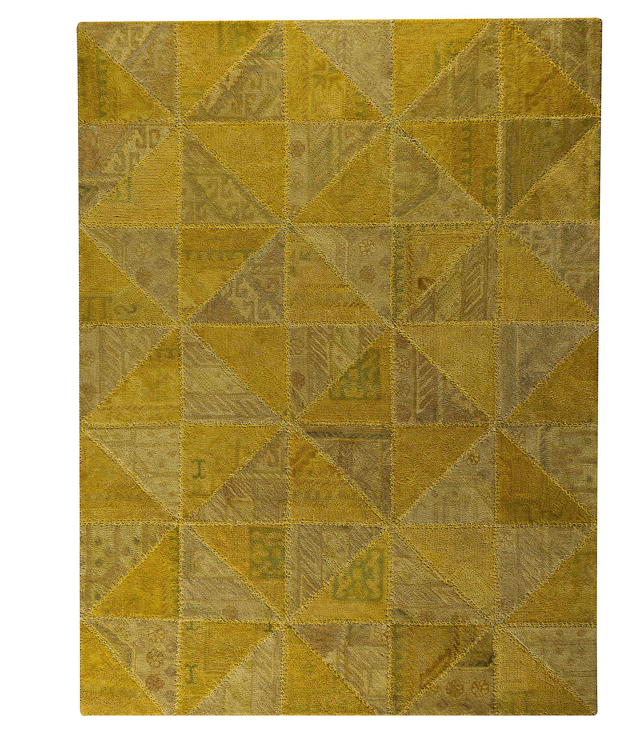 Acevedo Light Gold Area Rug Rug Size: 5'2