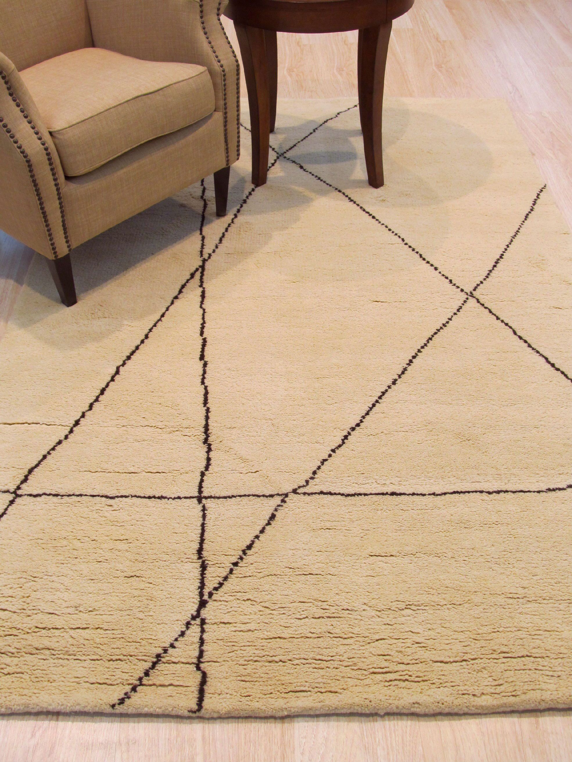Durrant Traditional Trellis Lines Hand-Knotted Wool Ivory Area Rug Rug Size: 7'9