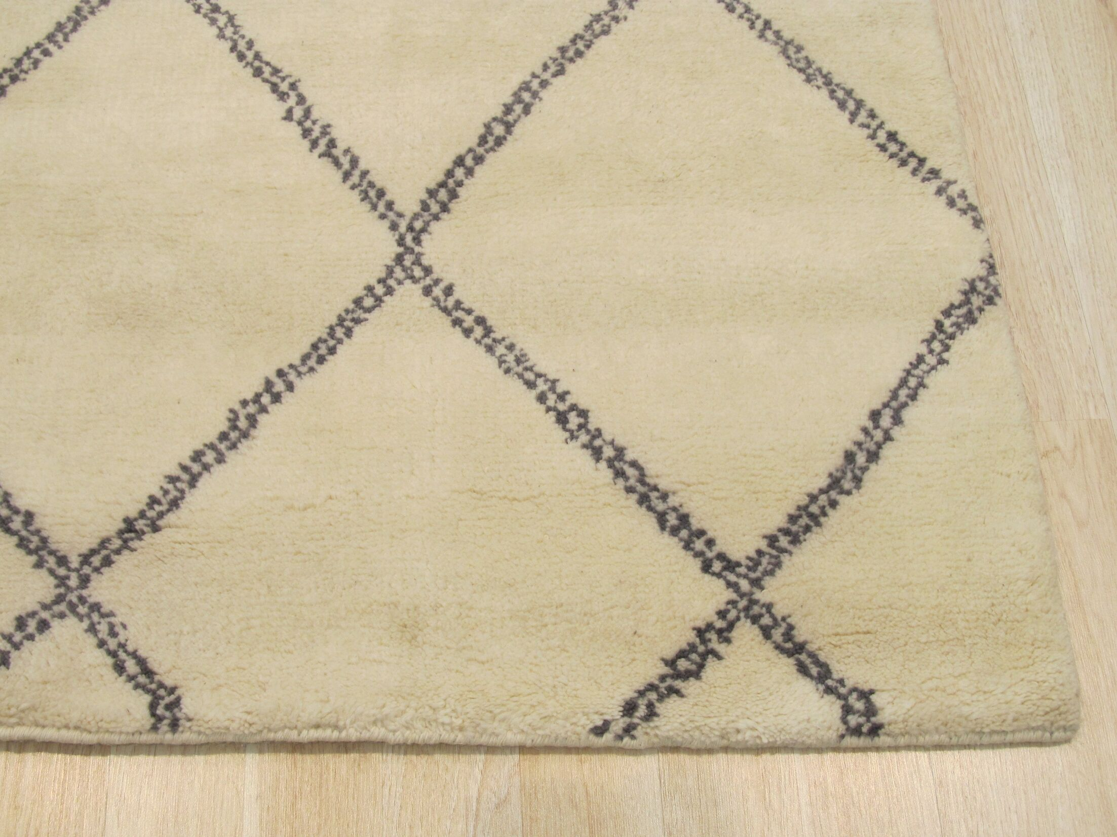 Durrant Traditional Trellis Hand-Knotted Wool Ivory Area Rug Rug Size: Rectangle 9' x 12'