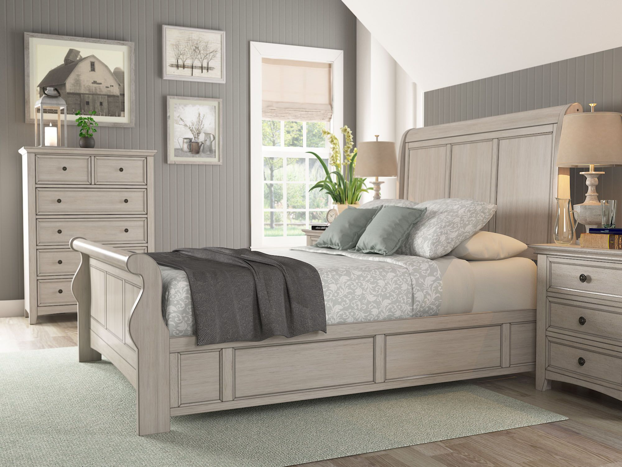 Sefton Sleigh Bed Color: Antique White, Size: Queen