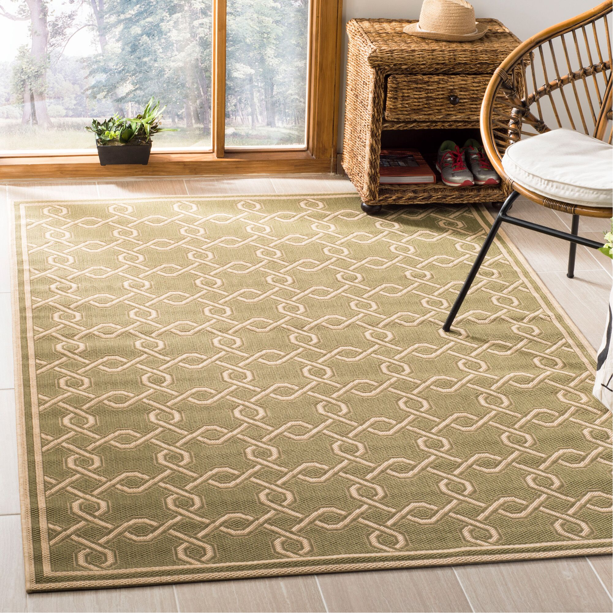 Green/Cream Area Rug Rug Size: Rectangle 5'3