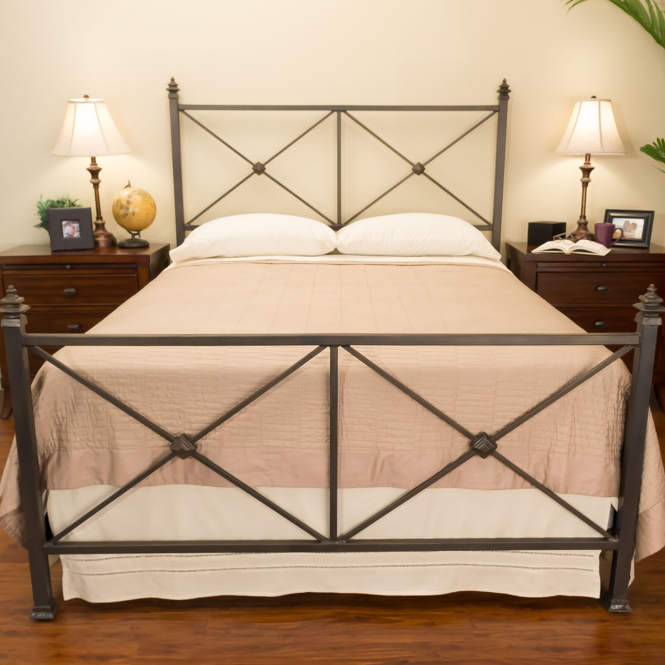 Chatham Panel Bed Size: King