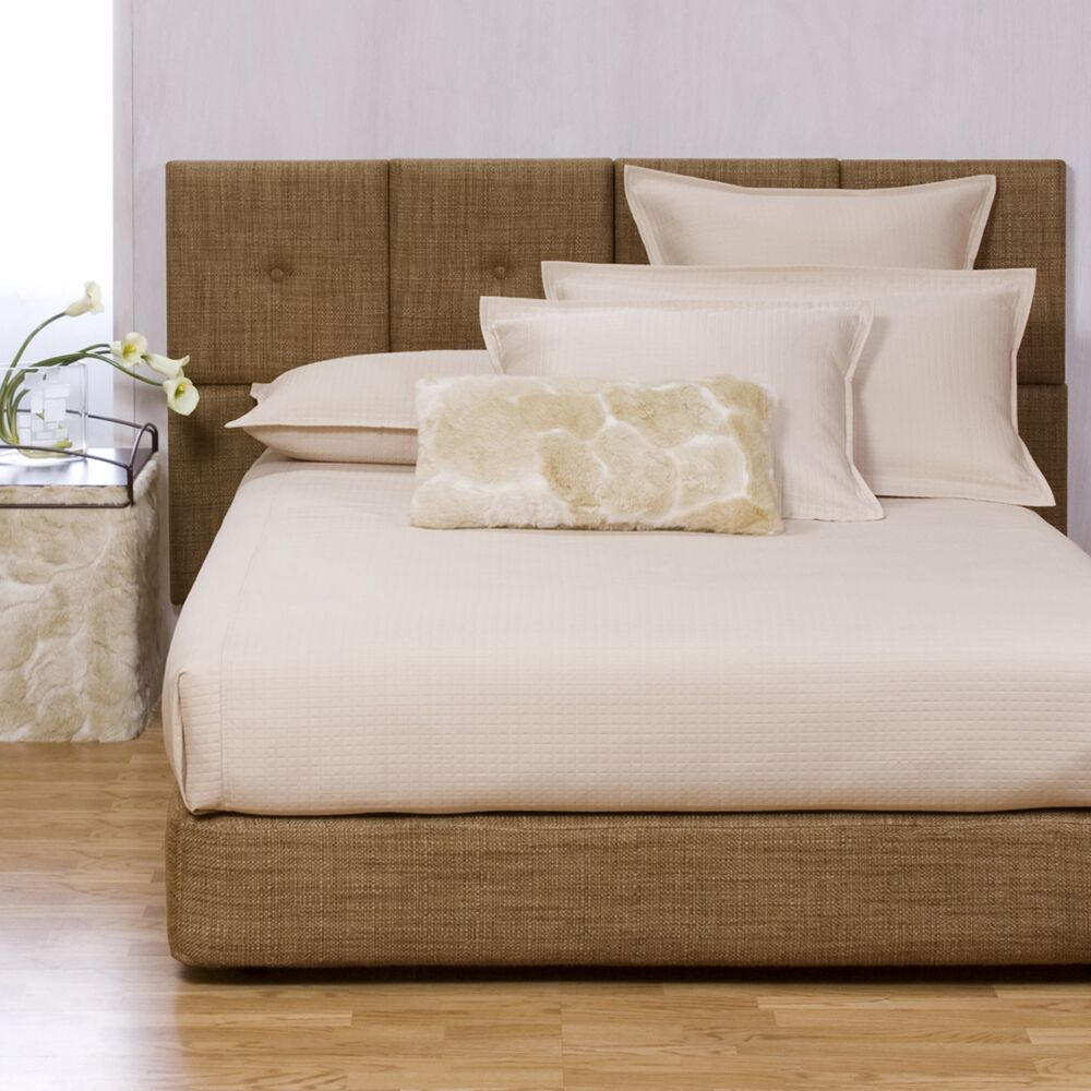 Gosnell Upholstered Panel Bed Color: Coco Topaz, Size: Queen