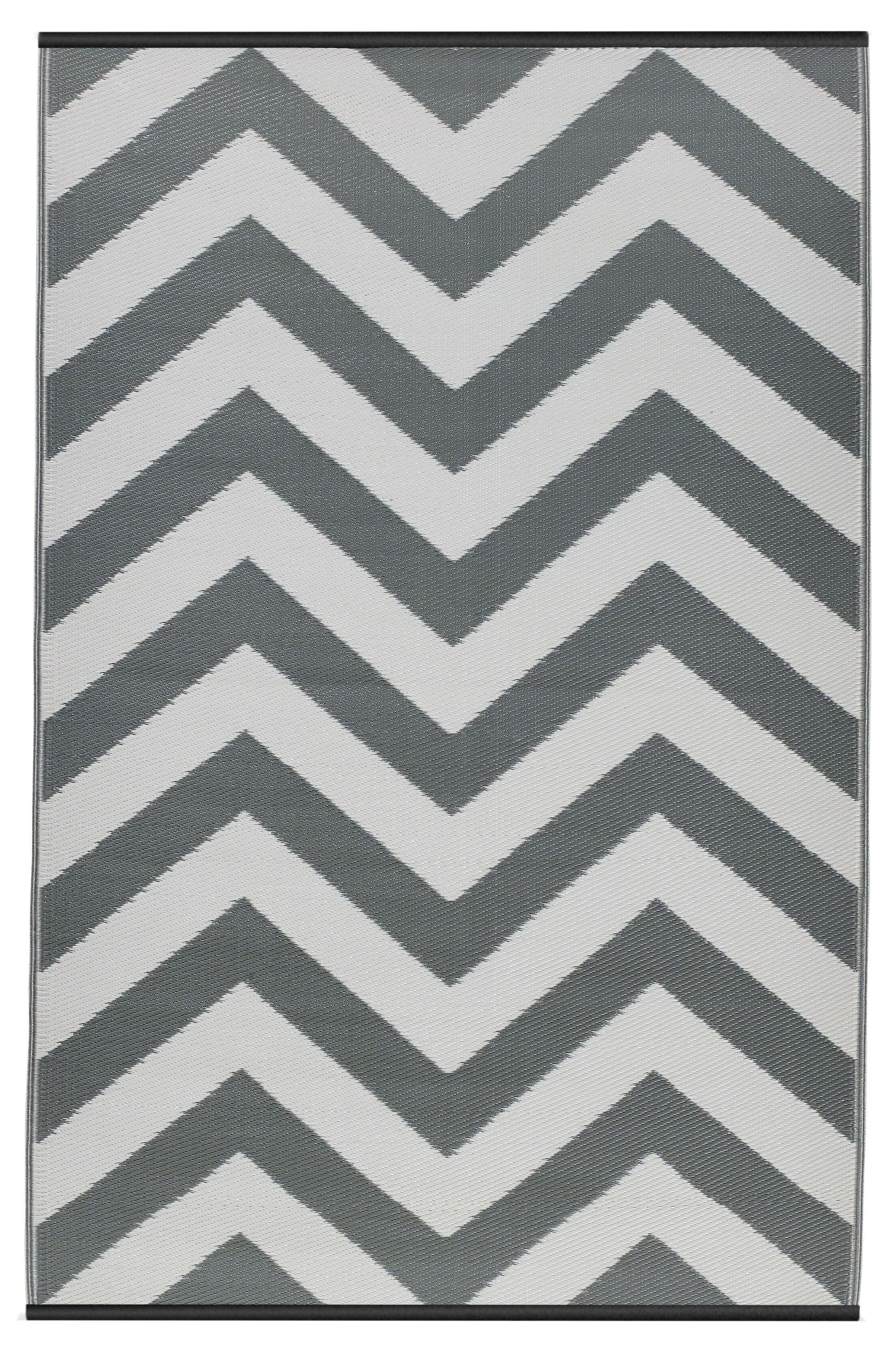 Reva Hand Woven Gray/White Indoor/Outdoor Area Rug Rug Size: 5' x 8'