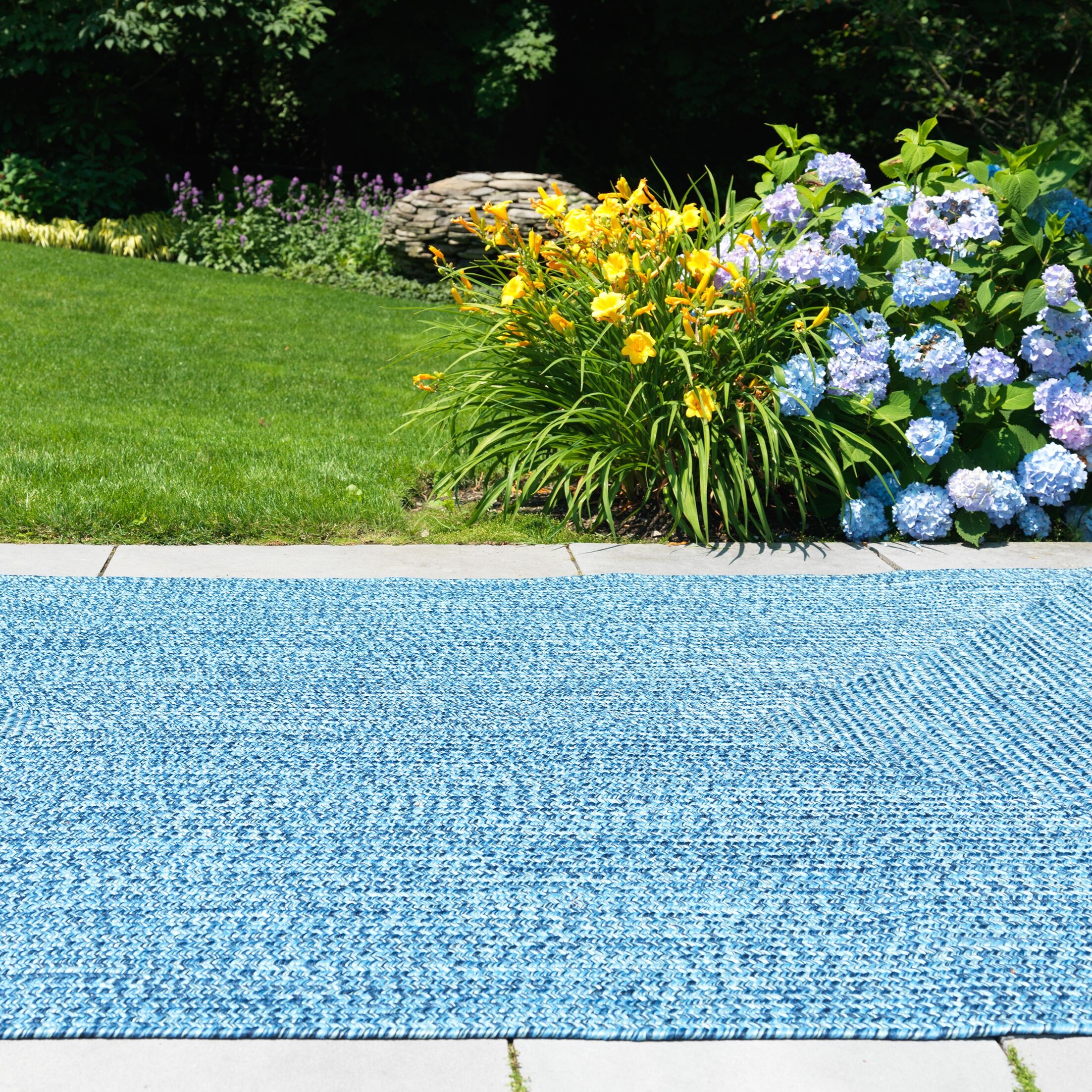 Hawkins Blue Wave Indoor/Outdoor Area Rug Rug Size: Square 8'