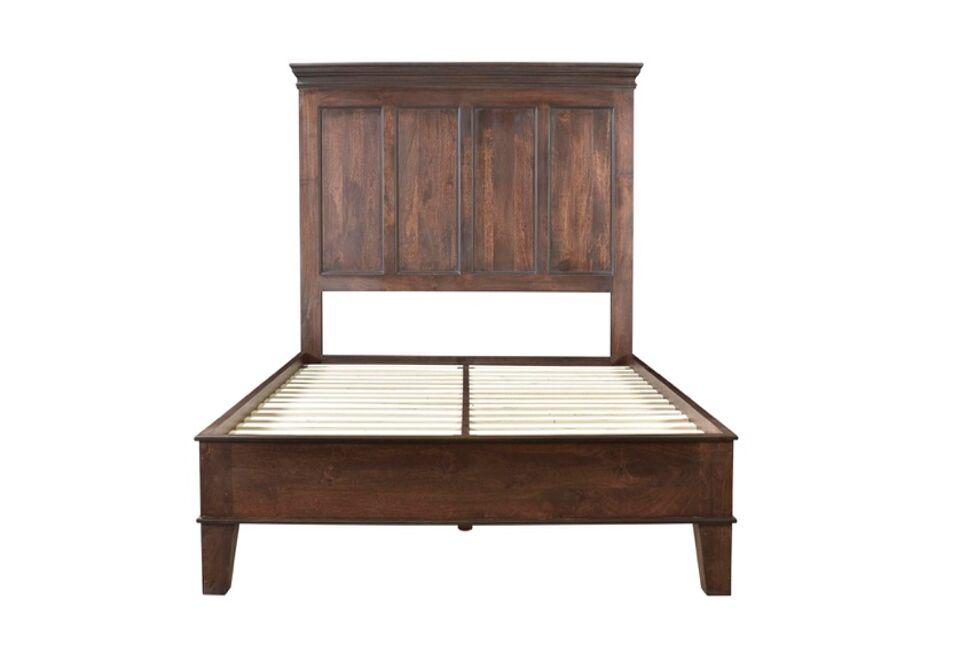 Pharsalia Platform Bed Color: Glaze Brown, Size: King