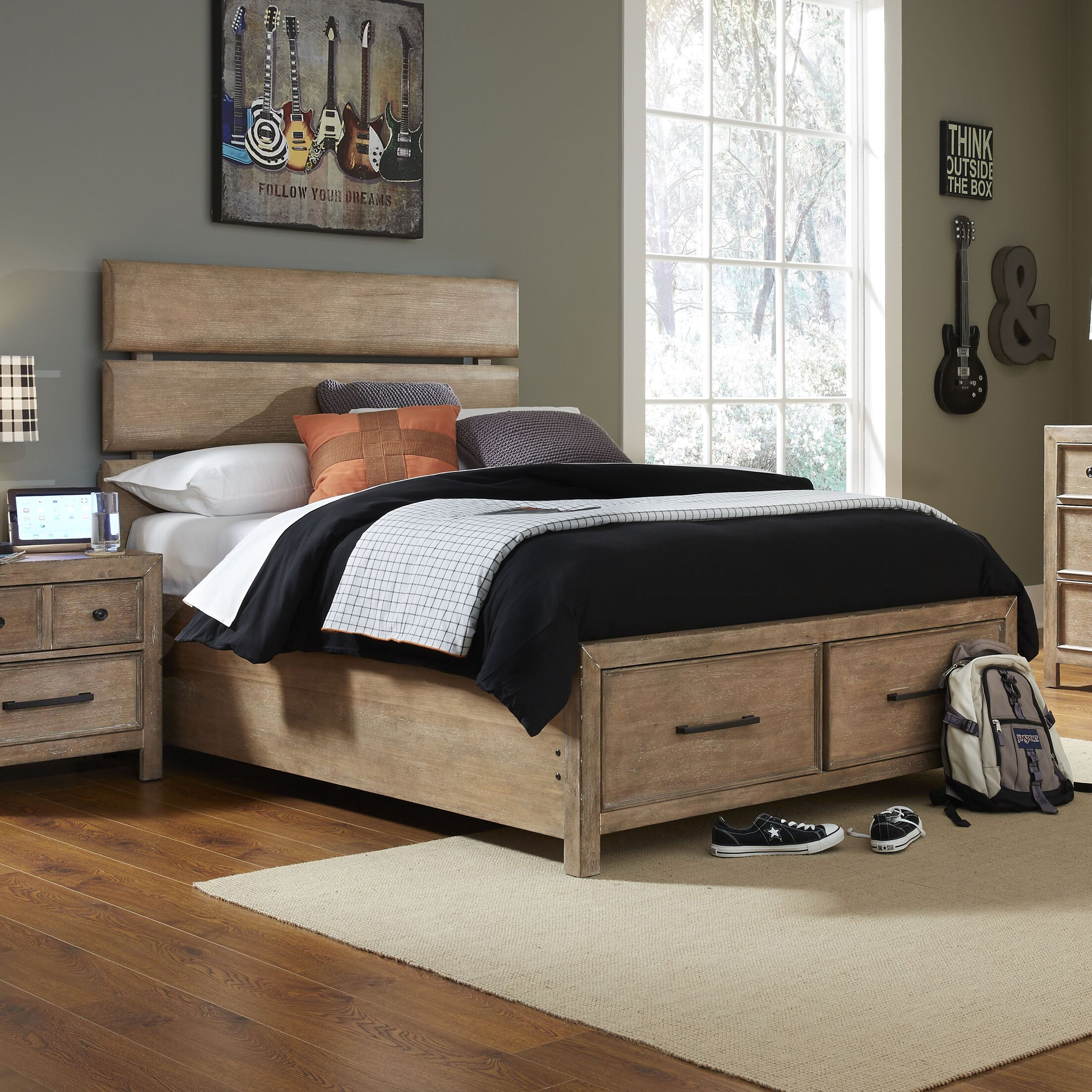 Austin Panel Bed Size: Twin