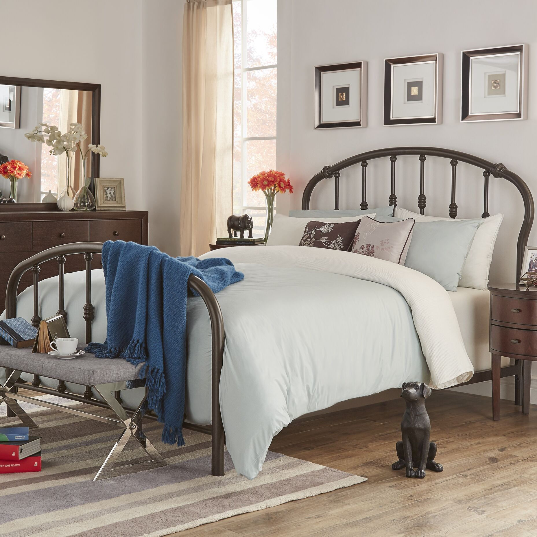 Woodburn Queen Sleigh Bed
