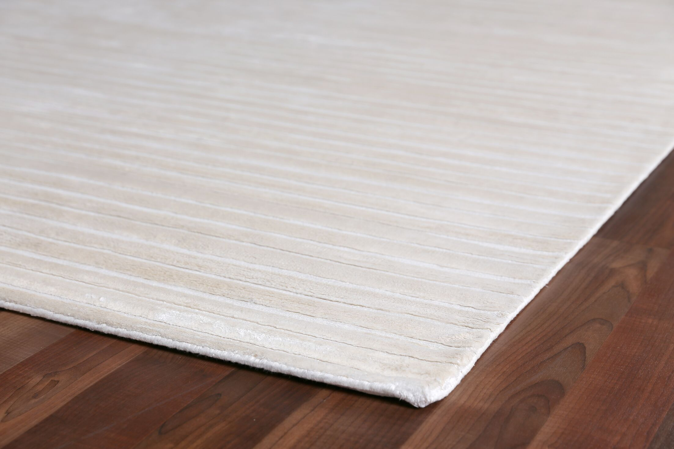 Wave Hand Woven Silk White Area Rug