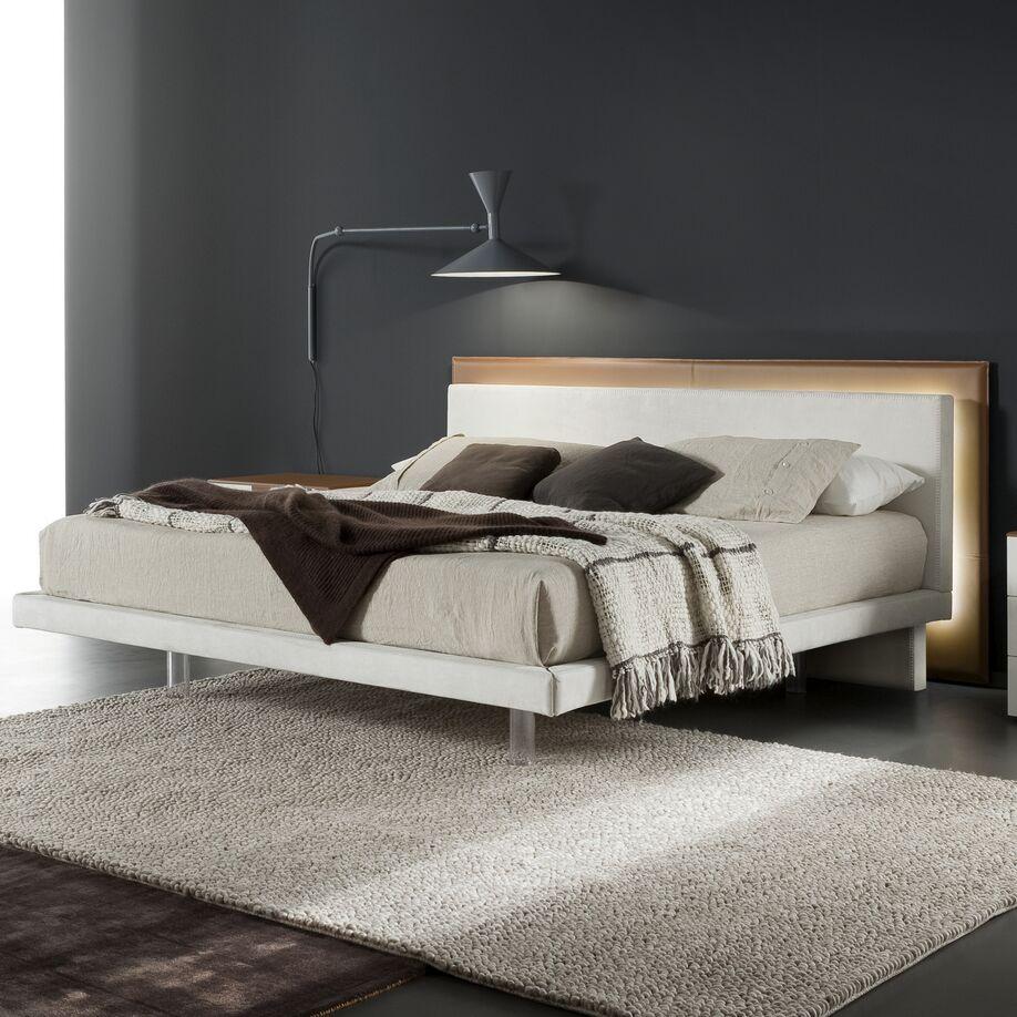 Libriamo Platform Bed Size: Queen