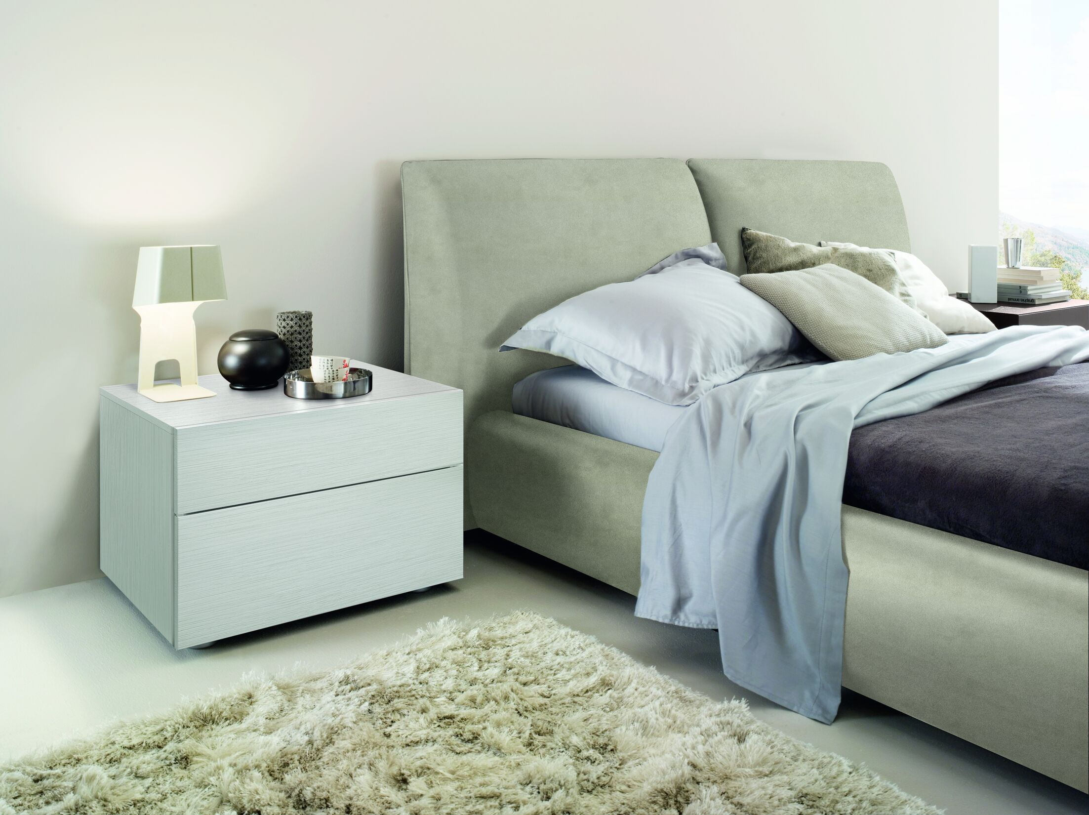 Pavo Upholstered Platform Bed Size: King