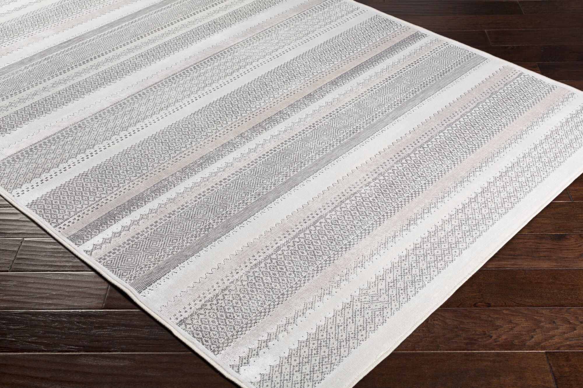 Sandie Gray Area Rug Rug Size: Rectangle 5'3