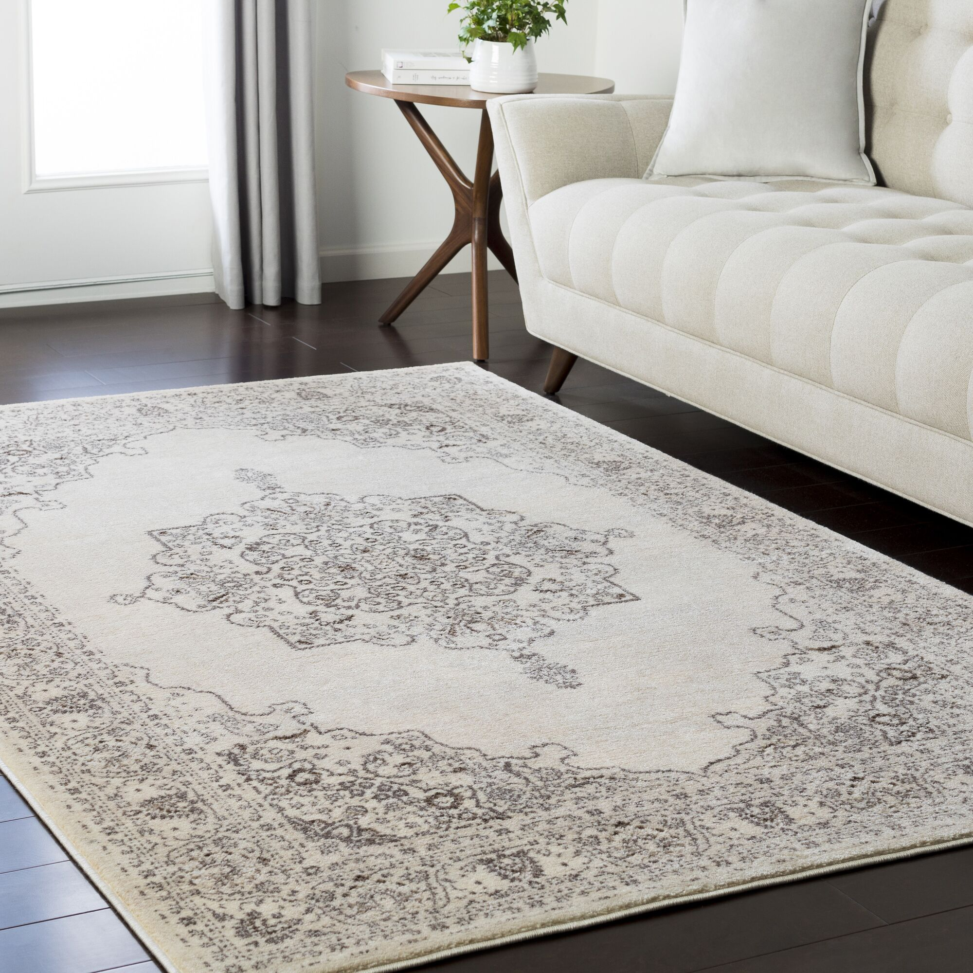 Synthia Brown Area Rug Rug Size: Rectangle 7'10