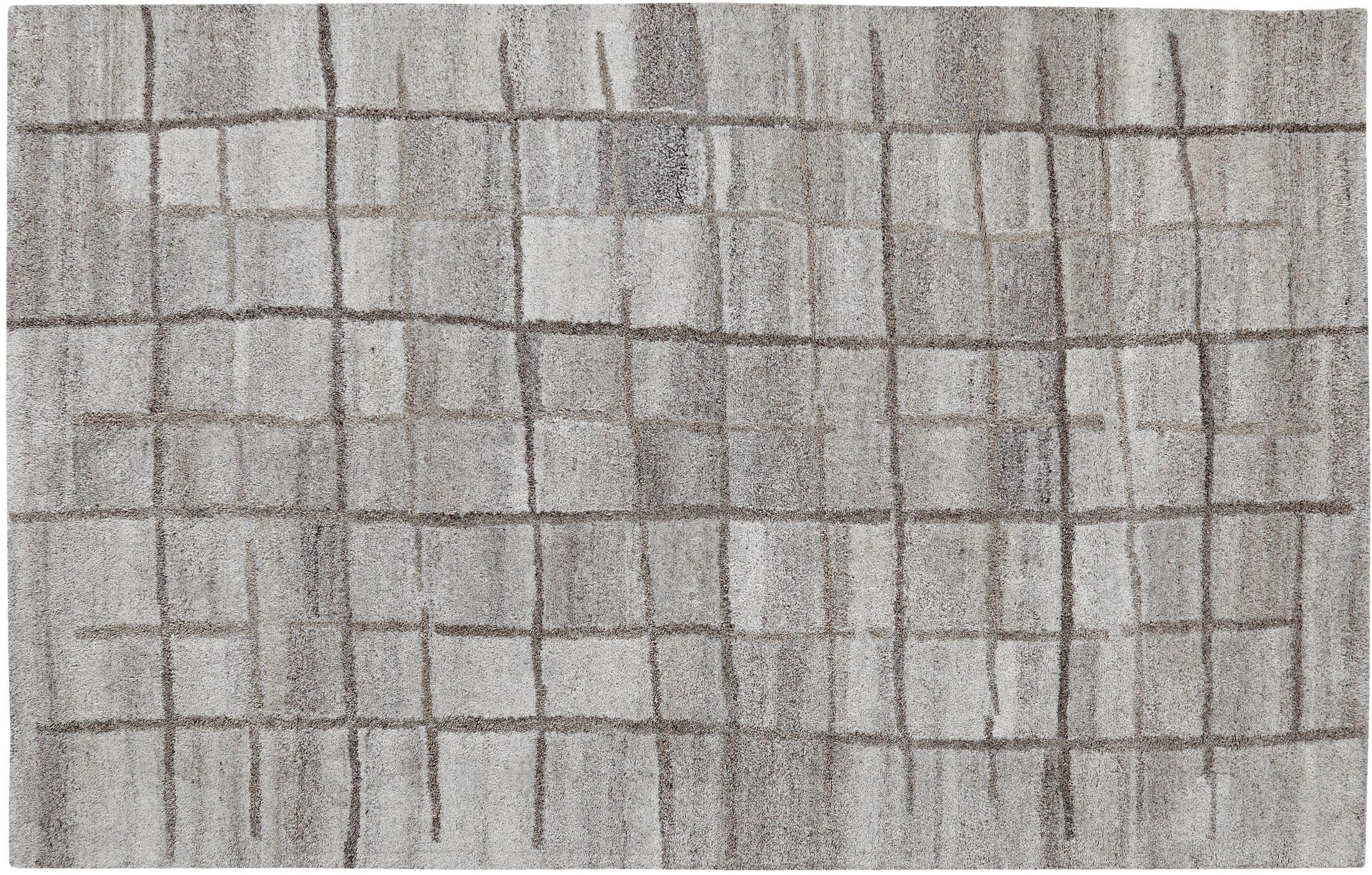 Saoirse Area Rug Rug Size: Rectangle 4' x 6'