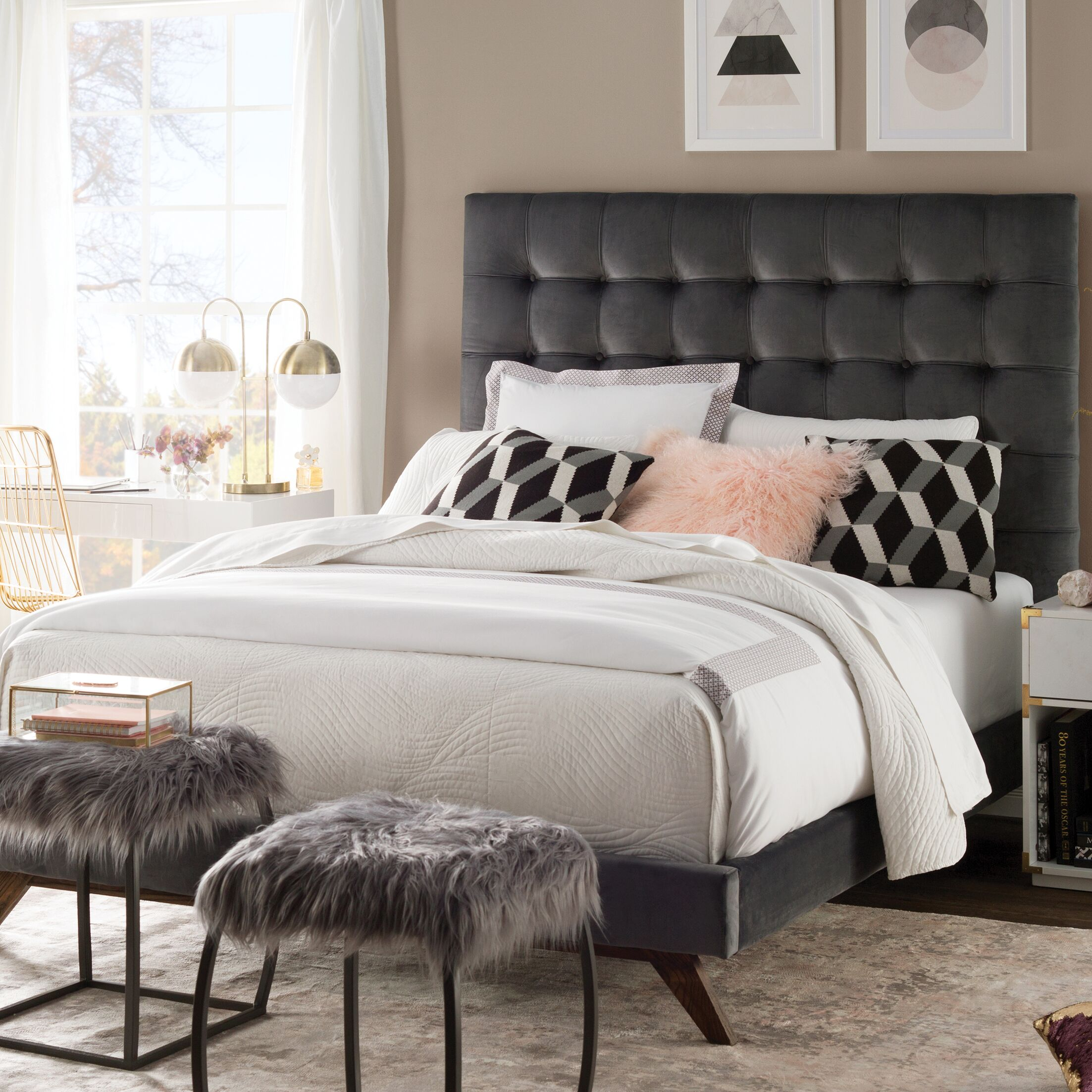Courts Upholstered Platform Bed Size: Full, Color: Dark Gray