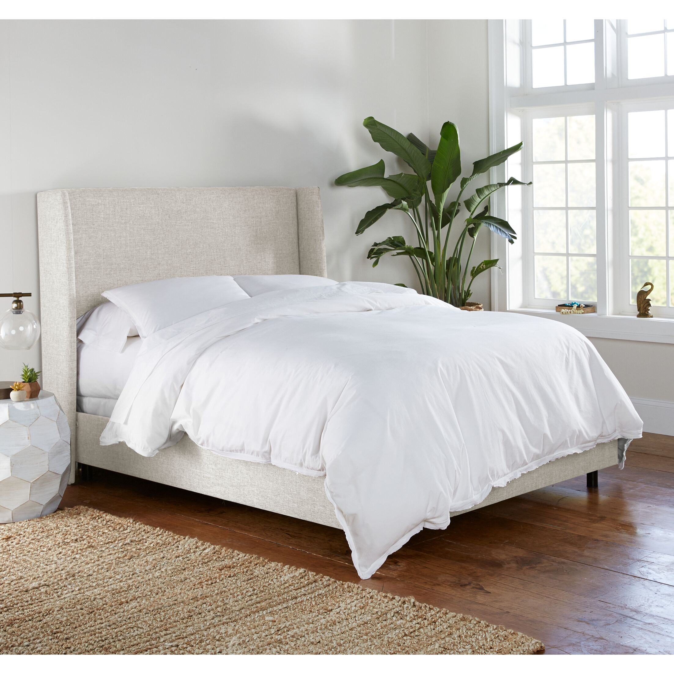 Alrai Upholstered Panel Bed Size: Queen, Color: Zuma White