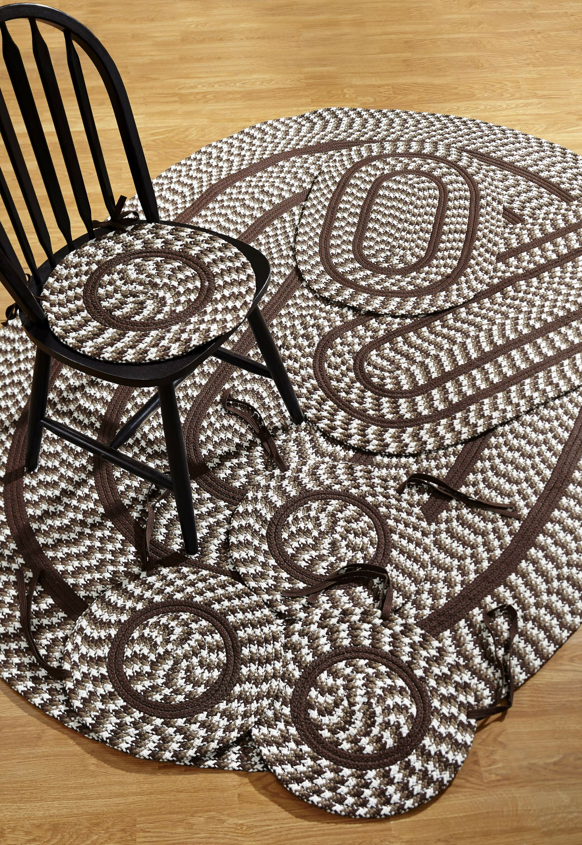 Crescent 7 Piece Chocolate Indoor/Outdoor Area Rug Set