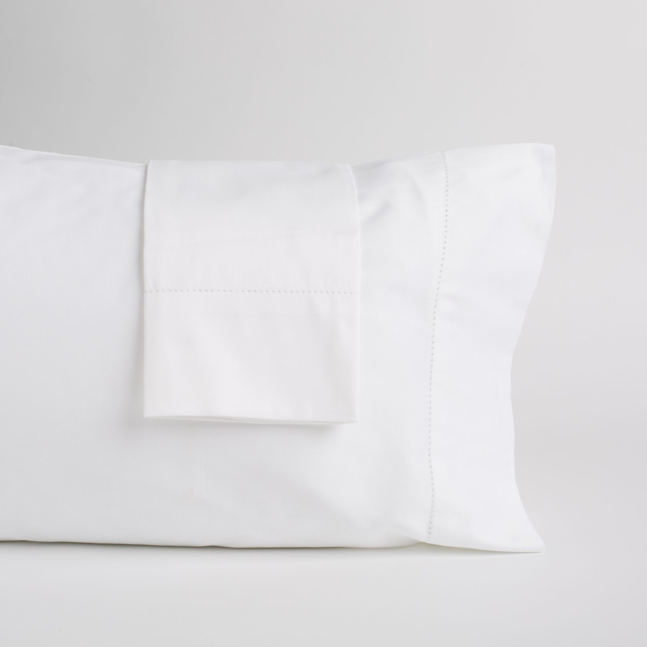 Gafford Pillow Case Color: White, Size: 20