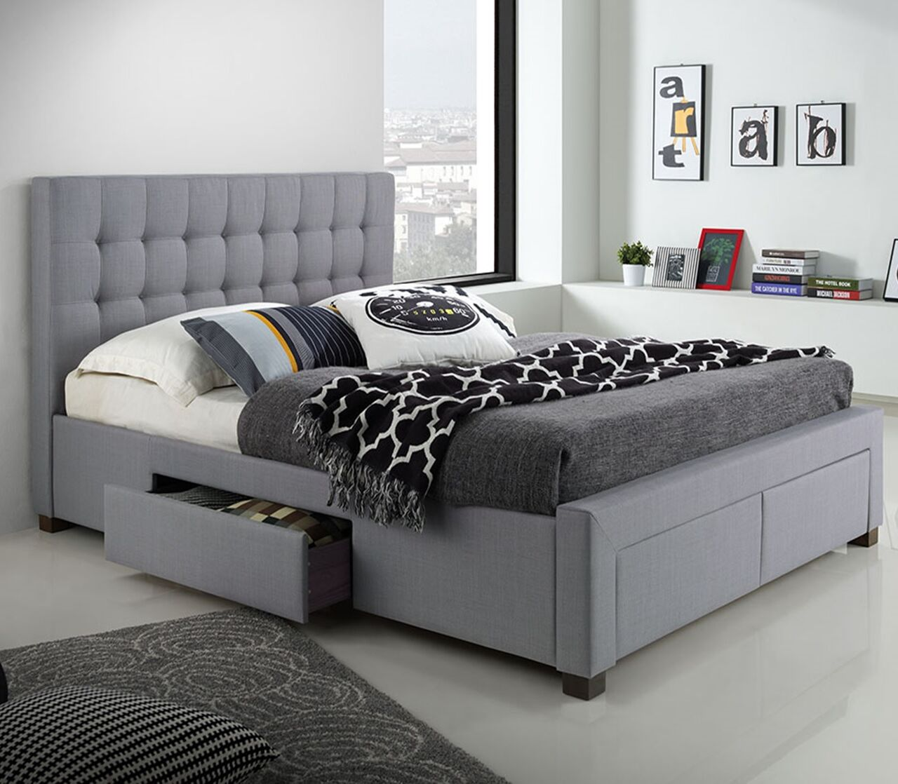 Metzinger Upholstered Storage Platform Bed Size: King