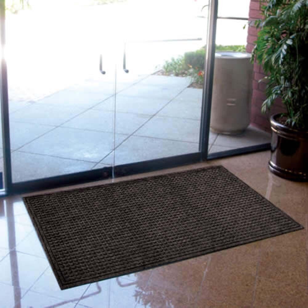 Cloverdale Doormat Color: Onyx, Mat Size: Rectangle 4' x 6'
