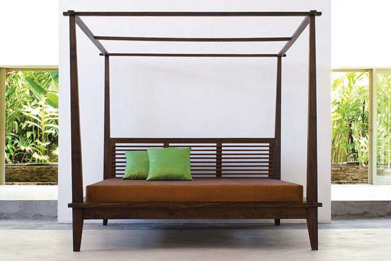 California Canopy 3 Piece Bedroom Set Size: Queen