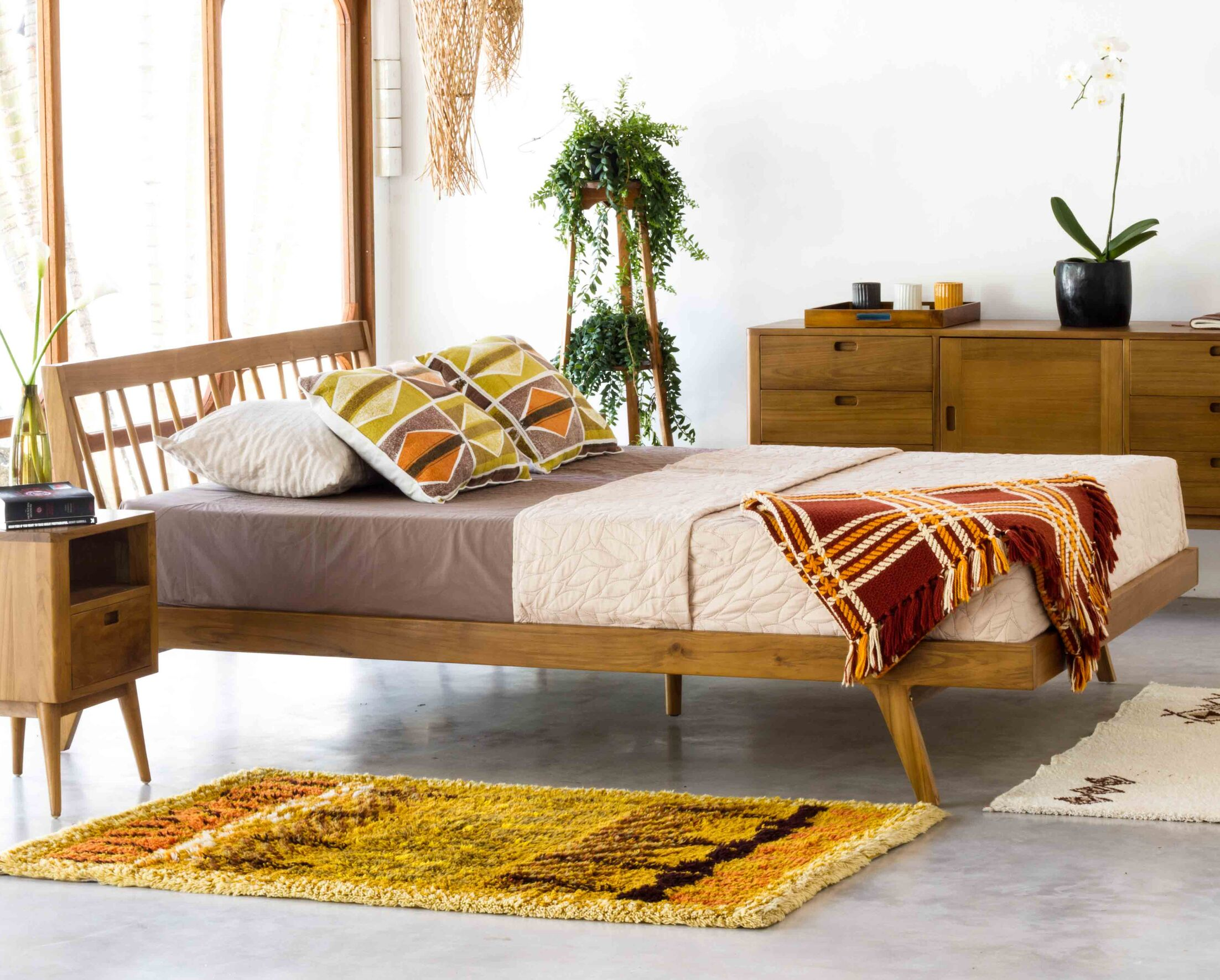Fifties Platform Bed Size: California King