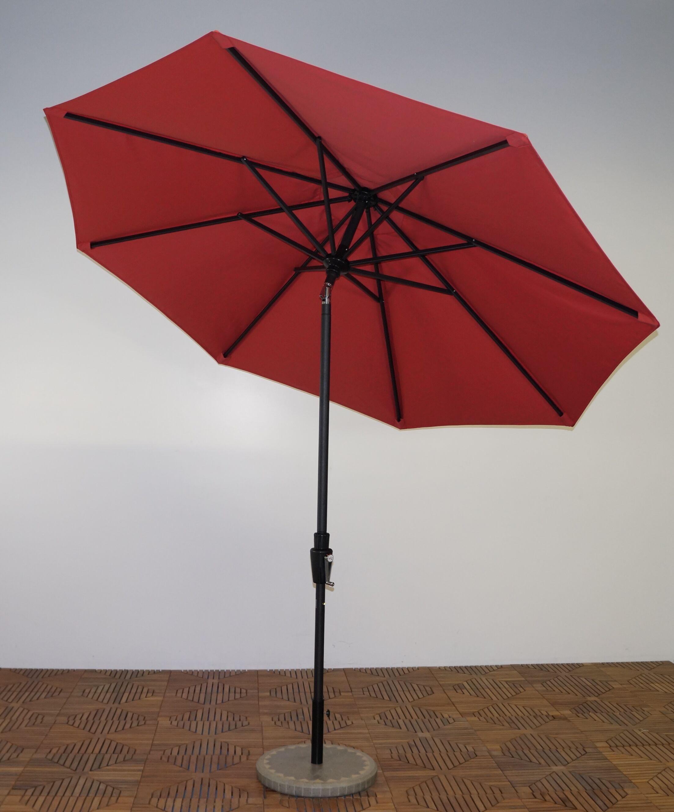 9' Market Umbrella Fabric: Paprika, Frame Finish: Licorice