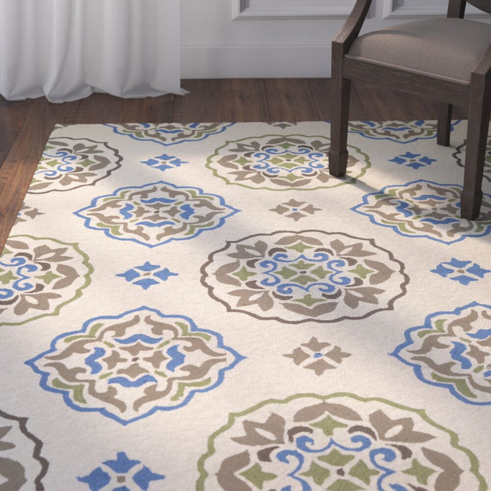 Union Hand-Hooked Cream/Blue Indoor/Outdoor Area Rug Rug Size: Runner 2'6