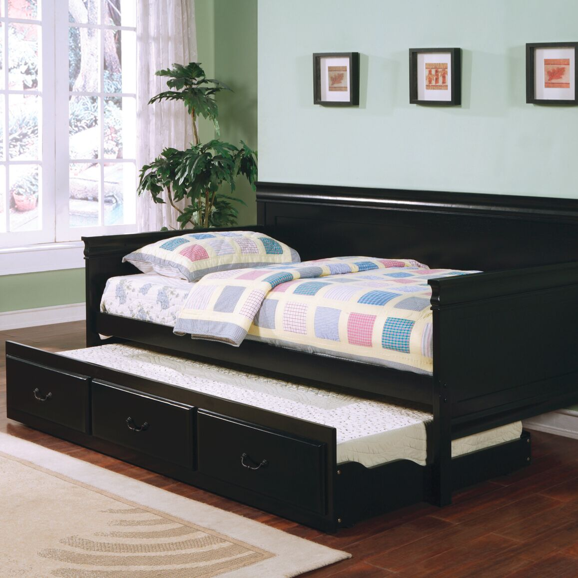 Oswald Daybed with Trundle Finish: Black