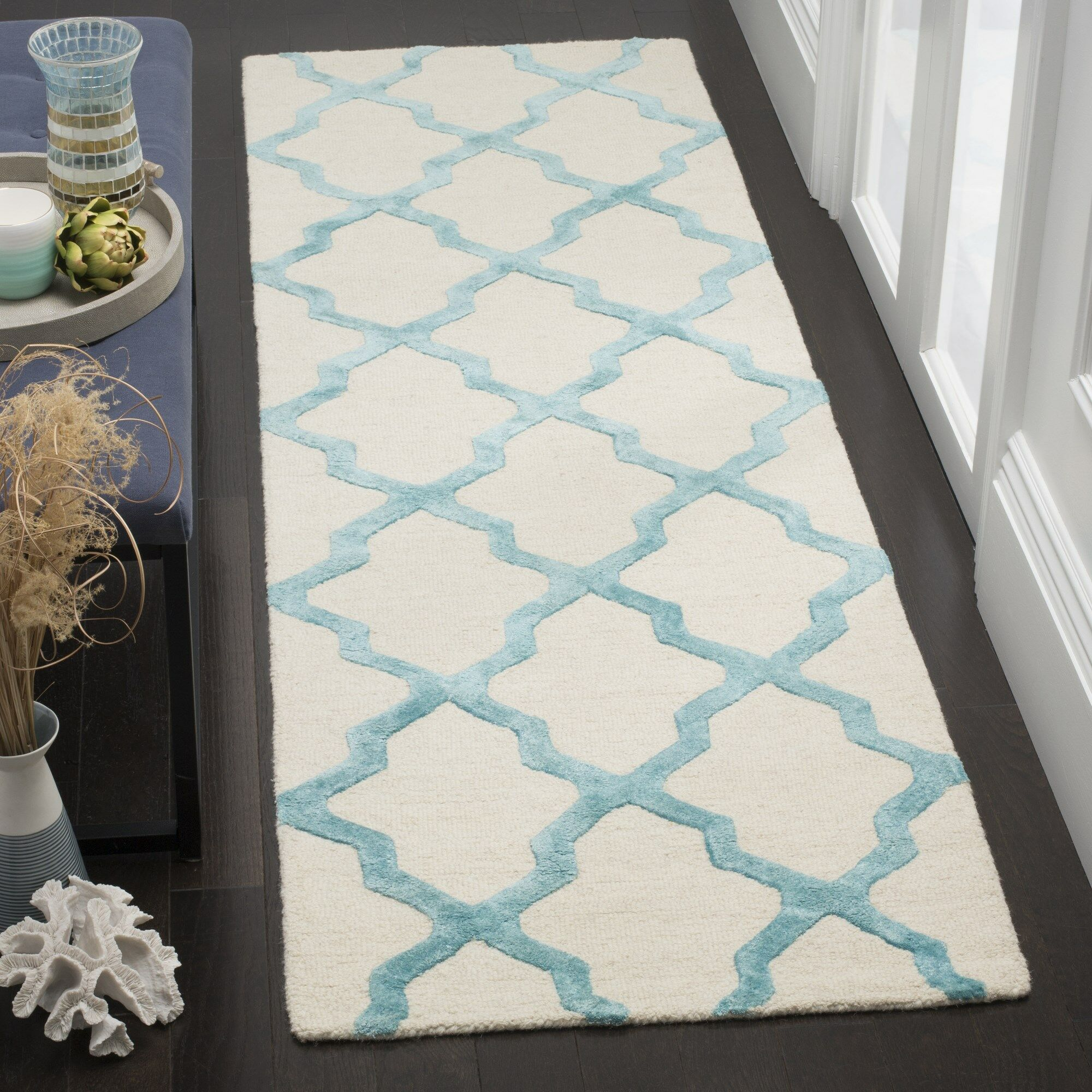 Parker Lane Hand-Tufted Ivory/Turquoise Area Rug Rug Size: Rectangle 5' x 8'