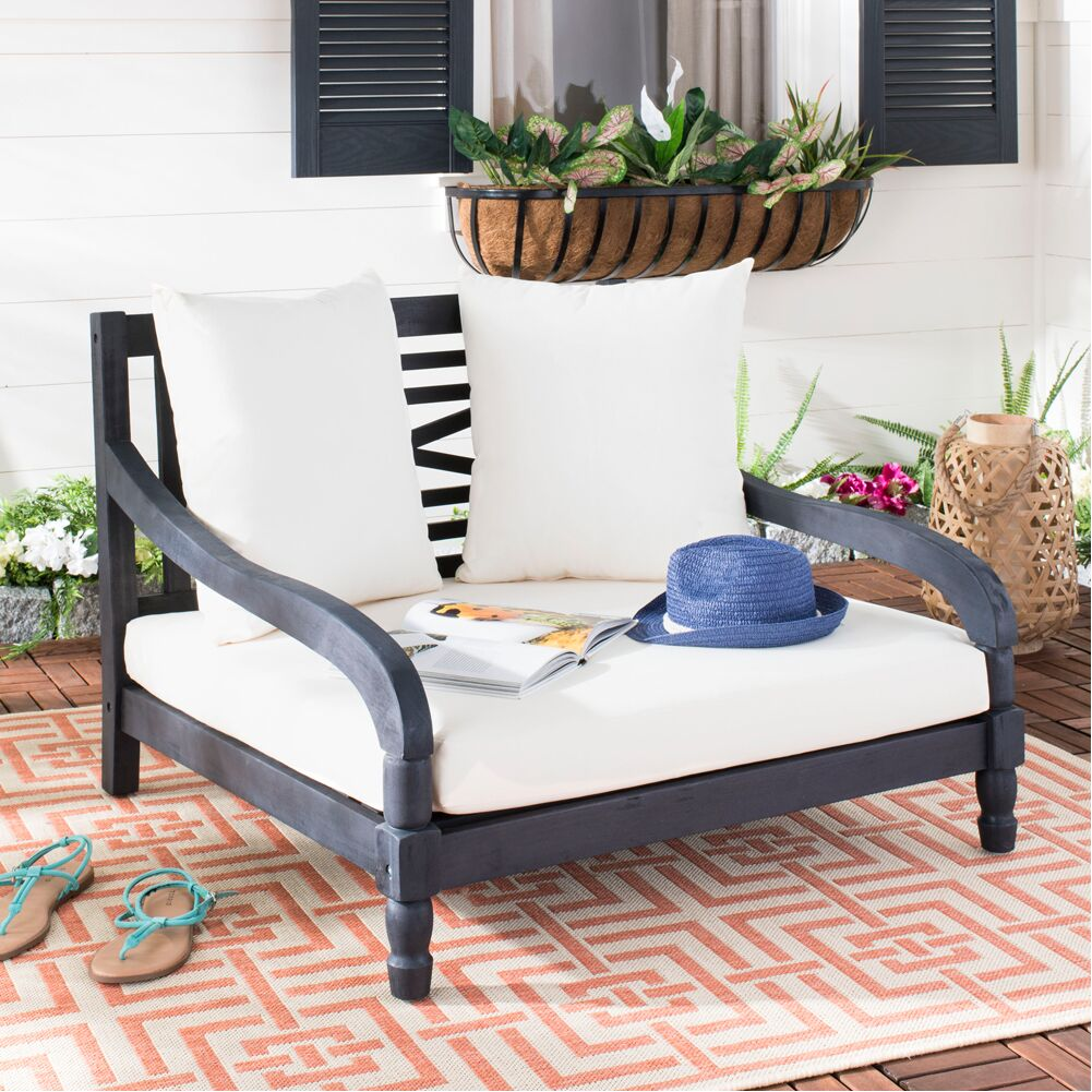 Crumpton Daybed with Cushion Finish: Dark Slate Gray